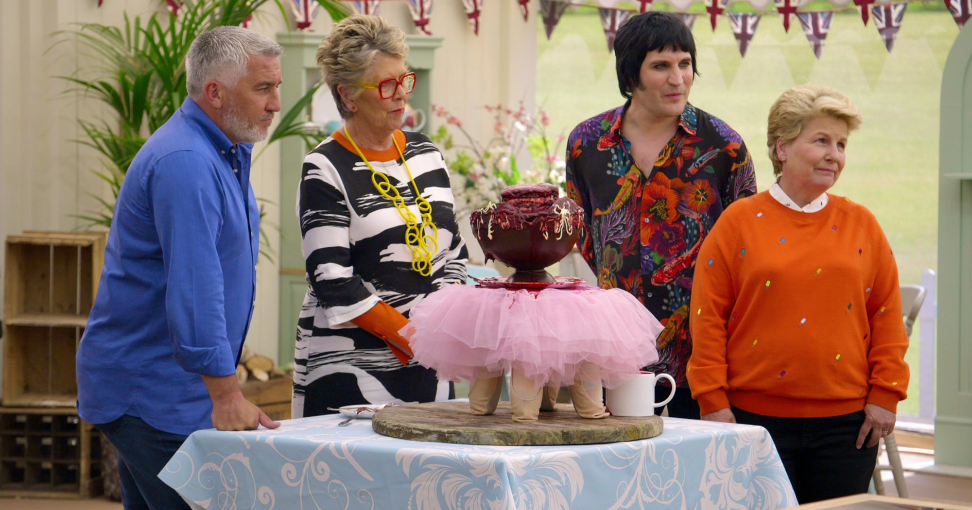 "Netflix Is Bringing Us New Episodes Of ""The Great British Bake Off"" Just In Time For Hygge Season"
