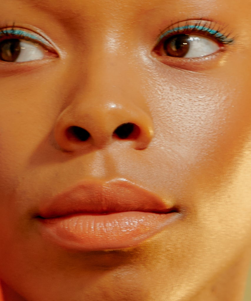 Schluss mit trockenen Lippen: Auf welche Inhaltsstoffe du achten solltest