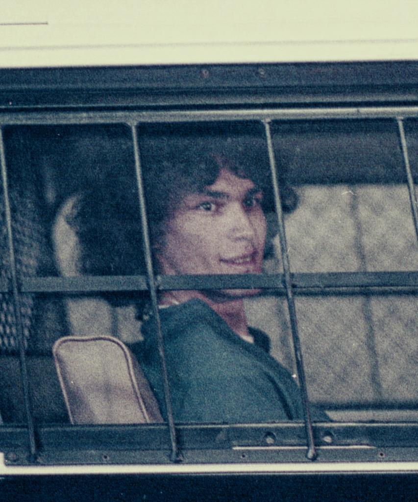 Netflix' Night Stalker erzählt die Verbrechen von Richard Ramirez – das wurde aus ihm
