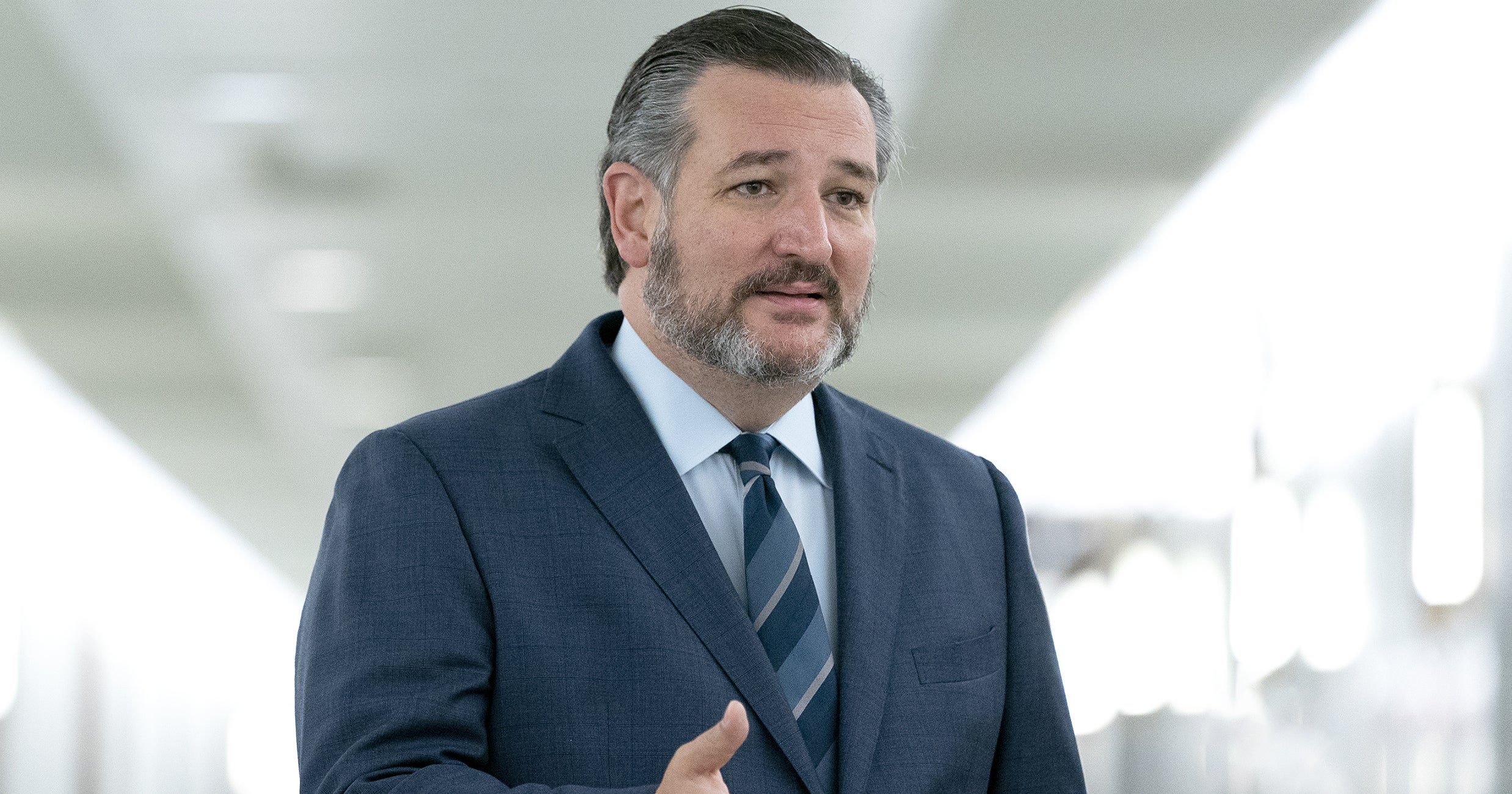 www.refinery29.com: Ted Cruz, Best Dad Ever, Blamed His Cancun Vacation On His Daughters