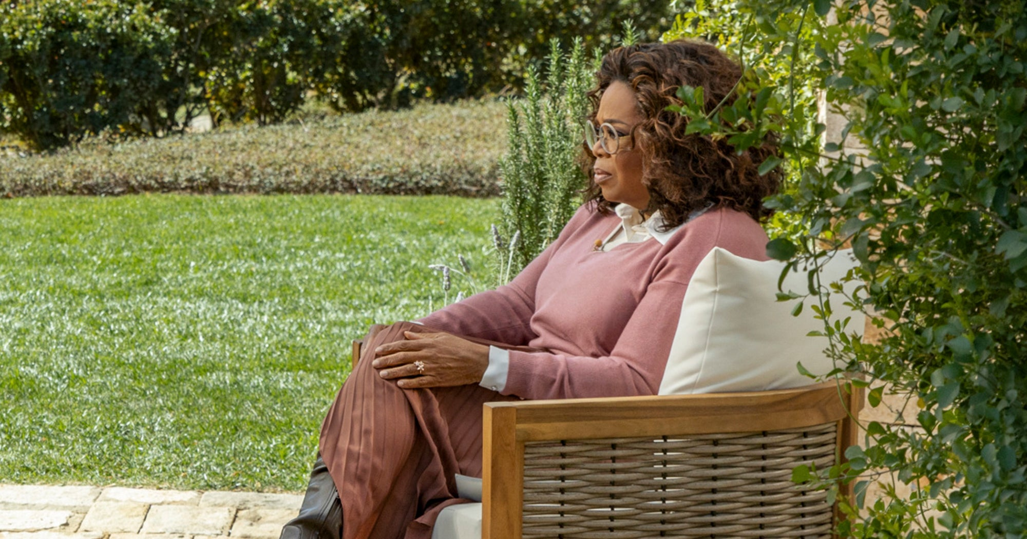 This Oprah Photo Is Quickly Becoming The Latest Example Of Digital Blackface