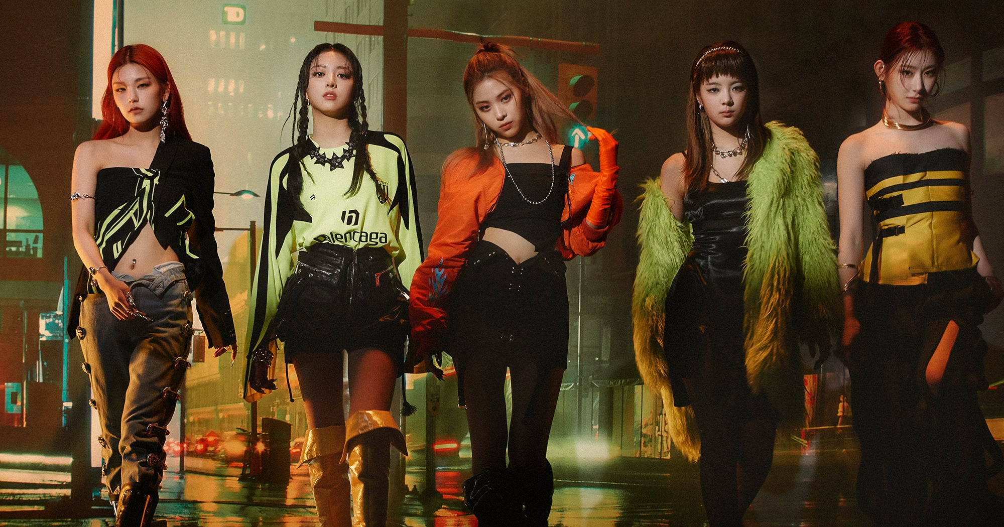"""ITZY Transform Into The Mafia For High Stakes """"In The Morning"""""""