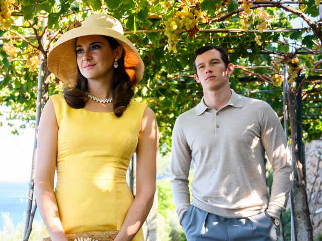 Shailene Woodley as Jennifer Stirling, Callum Turner as Anthony O'Hare in Last Letter From Your Lover.