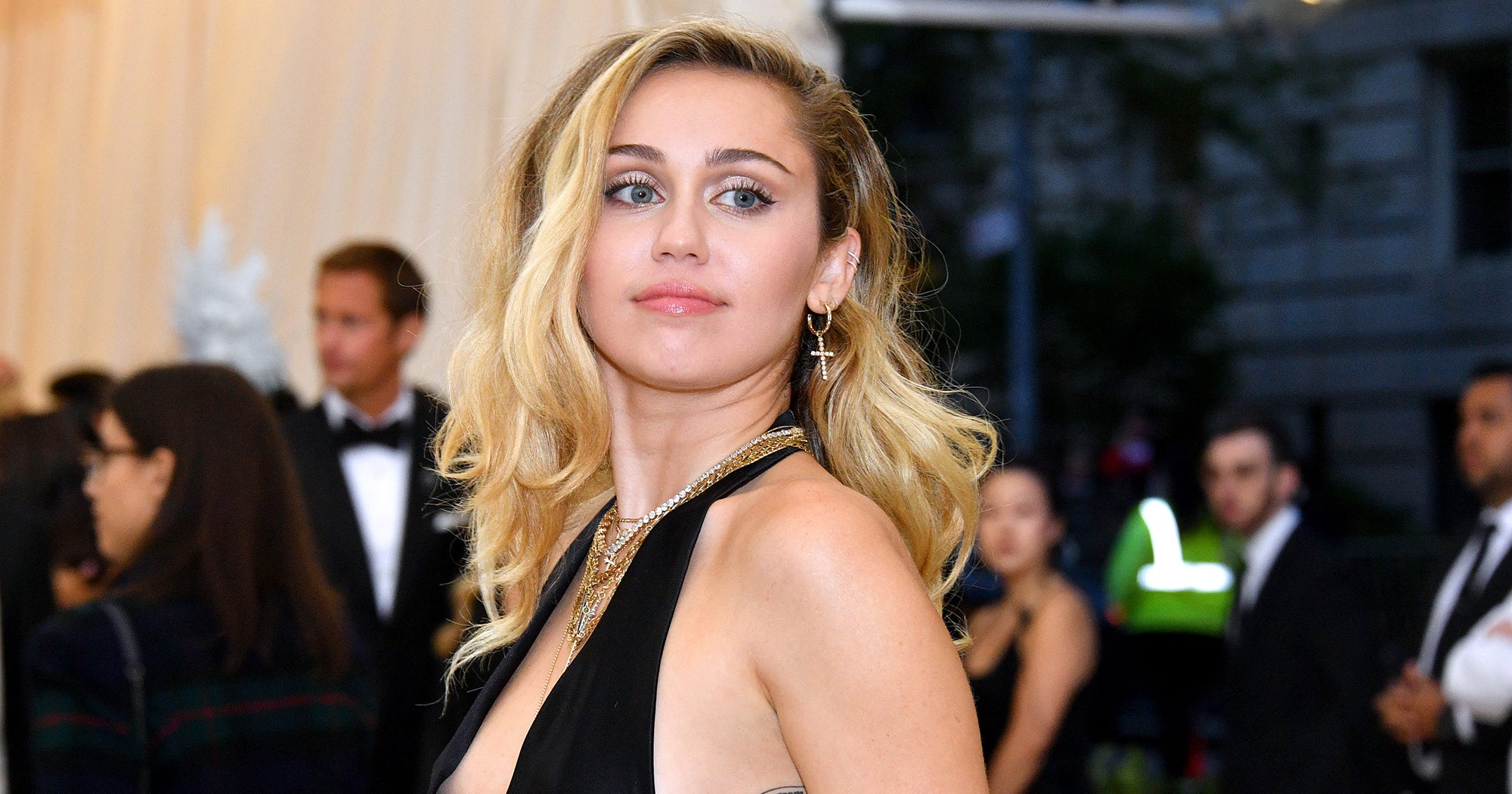 Miley Cyrus' Mullet Ponytail Might Just Start A Summer Trend