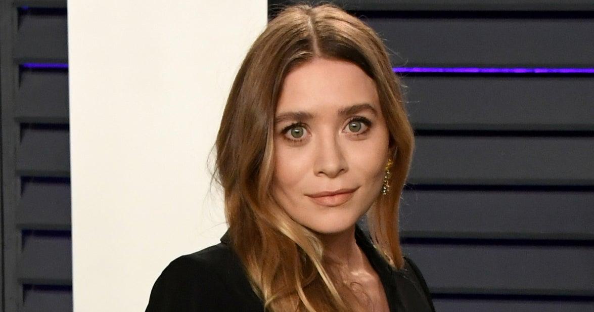 Ashley Olsen nous montre comment porter les tongs avec style cet été