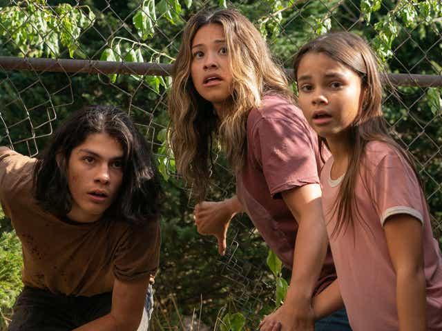 Lucius Hoyos as Noah, Gina Rodriguez as Jill Adams, Ariana Greenblatt as Matilda of Awake