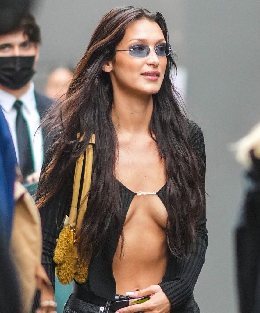 Ein gewagter Ausgeh-Look macht die Modewelt unsicher: das Pin-Top