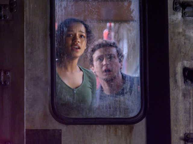 Zoey Davis (Taylor Russell)and Ben Miller (Logan Miller) in Columbia Pictures' ESCAPE ROOM: TOURNAMENT OF CHAMPIONS.