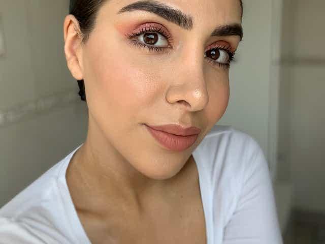 Beauty Editor Jacqueline wearing the Metallics Eyeshadow Palette