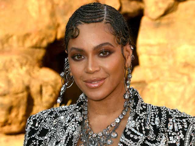 "Beyoncé attends the premiere of Disney's ""The Lion King""."