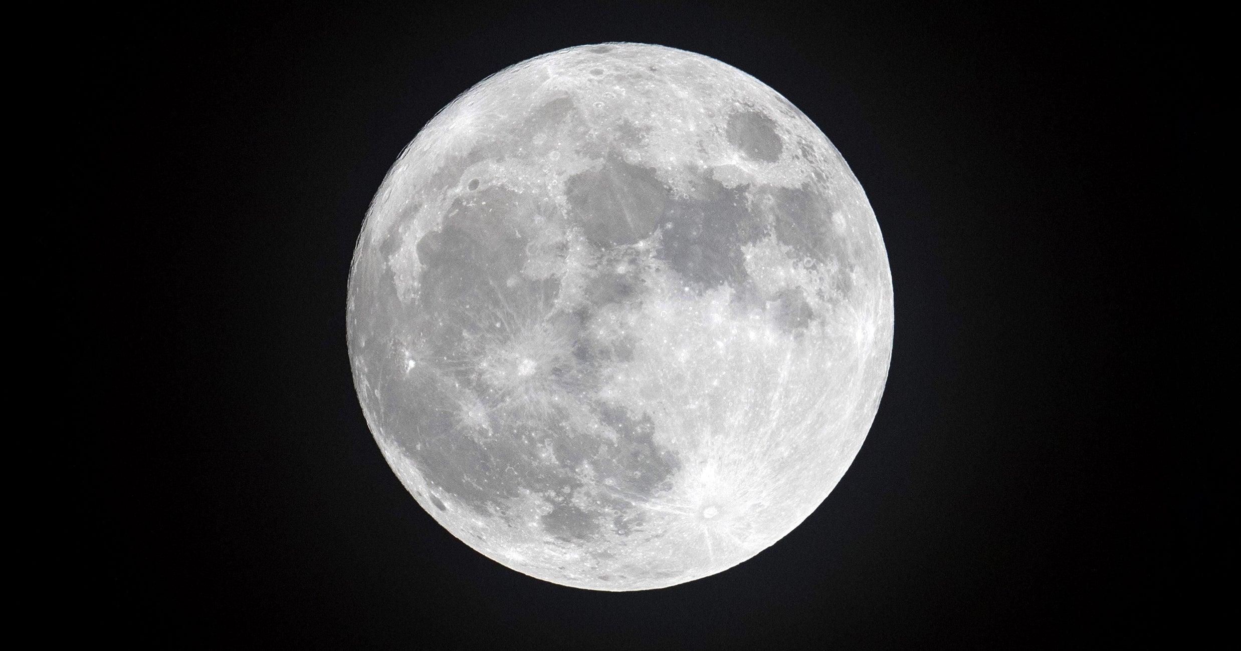 Tonight's Rare Full Moon In Aquarius Is Bringing Major Surprises