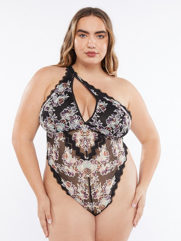 12 Plus-Size Lingerie Retailers With Styles That Smolder