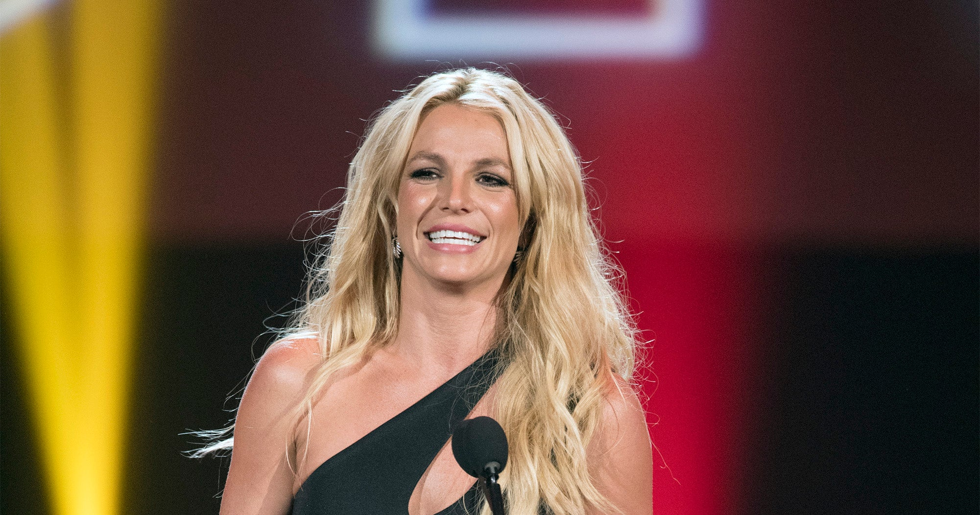 Britney Spears Just Gave Herself A Fall Hair Makeover — & It Looks Great