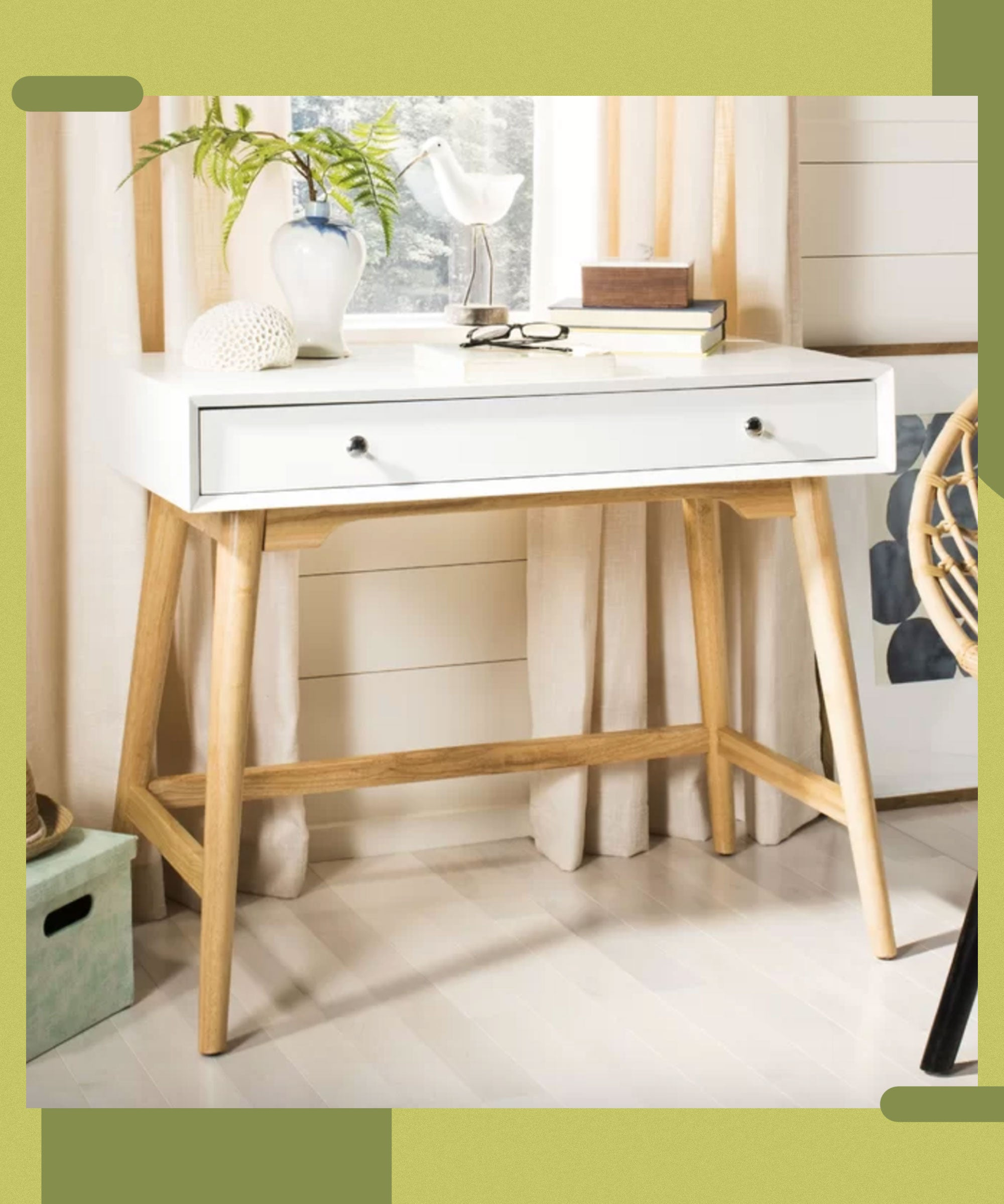 These Small Space Desks Are What A Telecommuter's Dreams Are Made Of