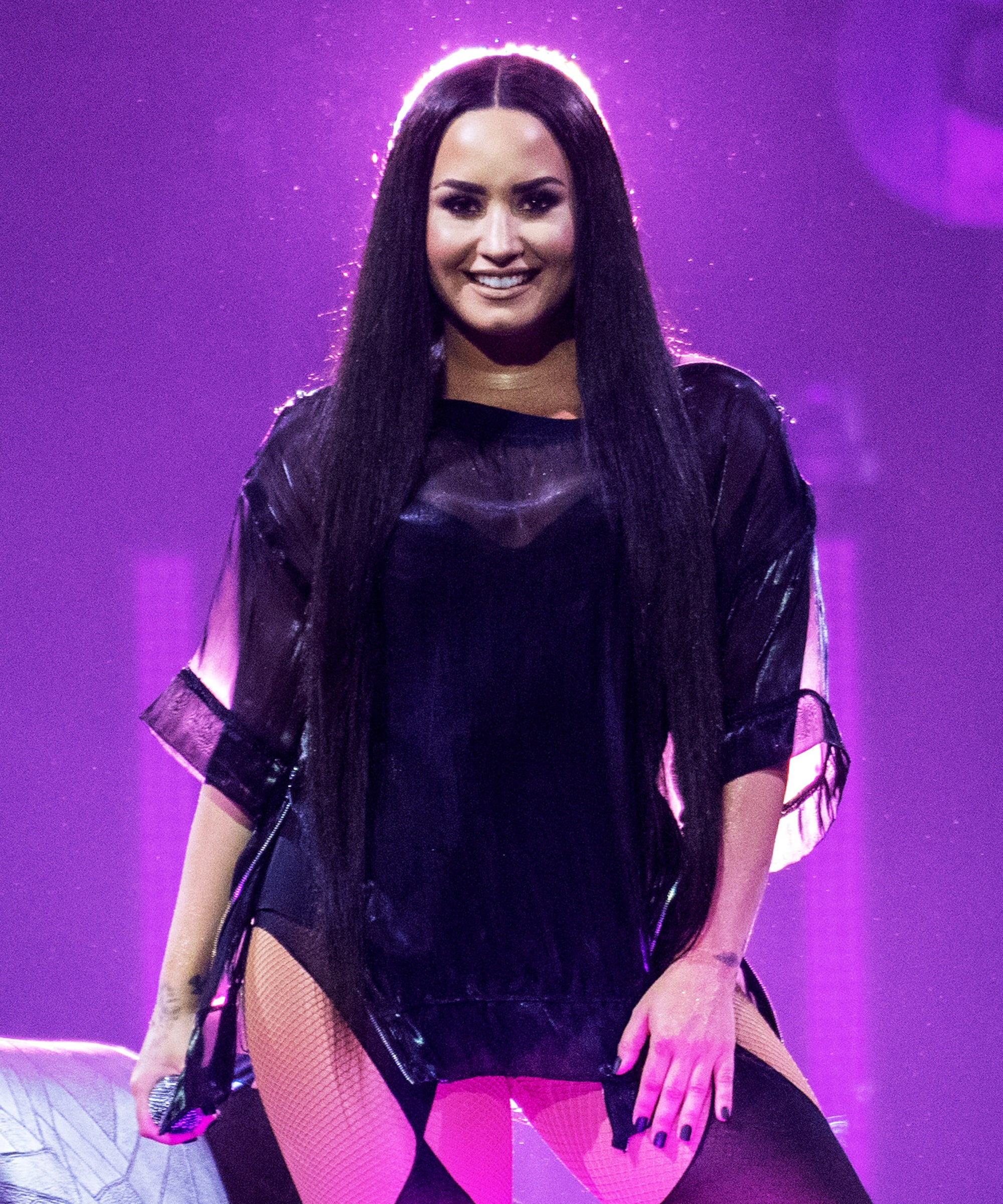 If These Reports About Demi Lovato & Mike Johnson Dating Are True, Then He Is Not The Bachelor