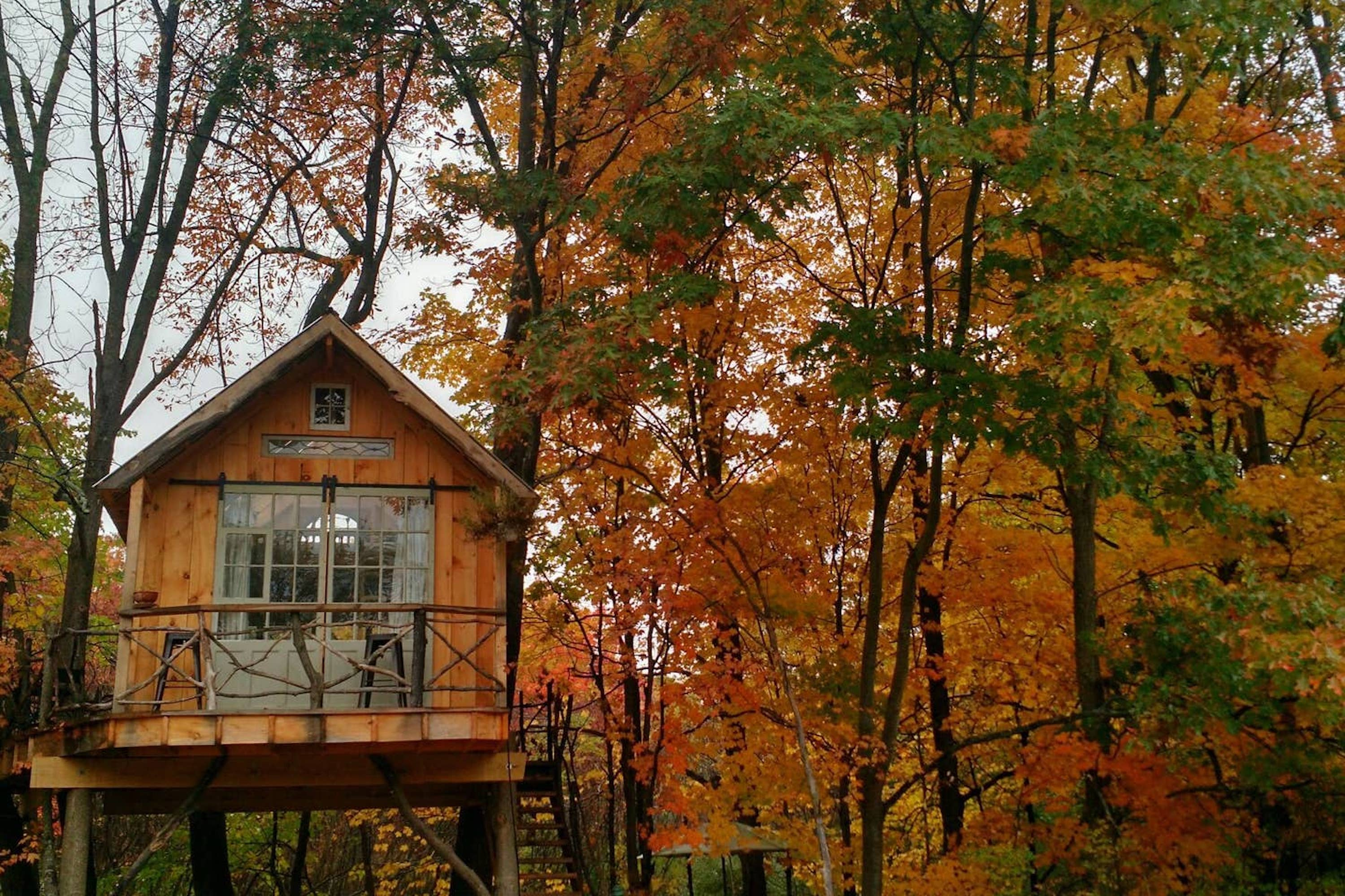 The Best Airbnbs To Book For A Perfect Fall Foliage Getaway