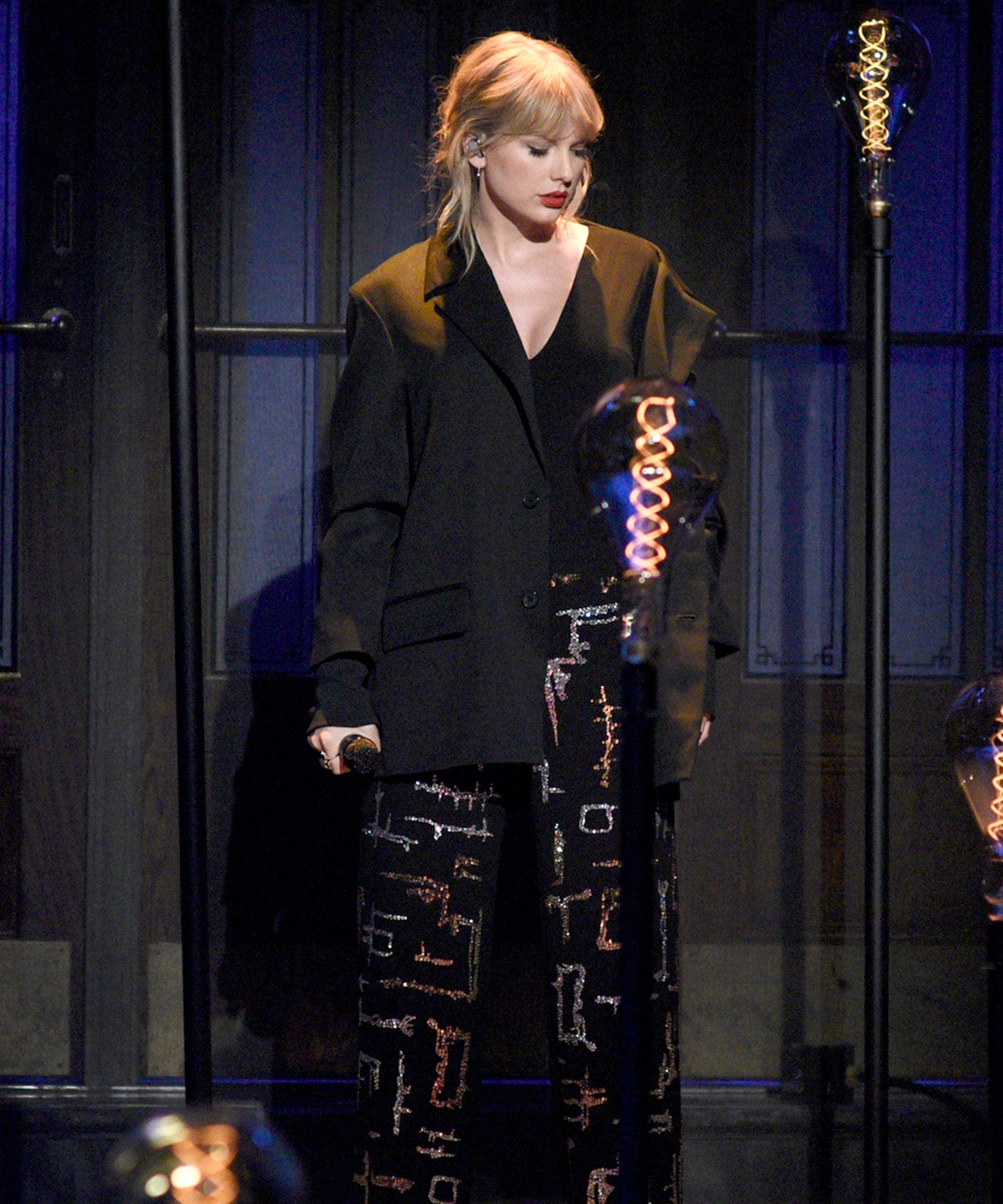 Taylor Swift Saturday Night Live Perfs Lover, False God