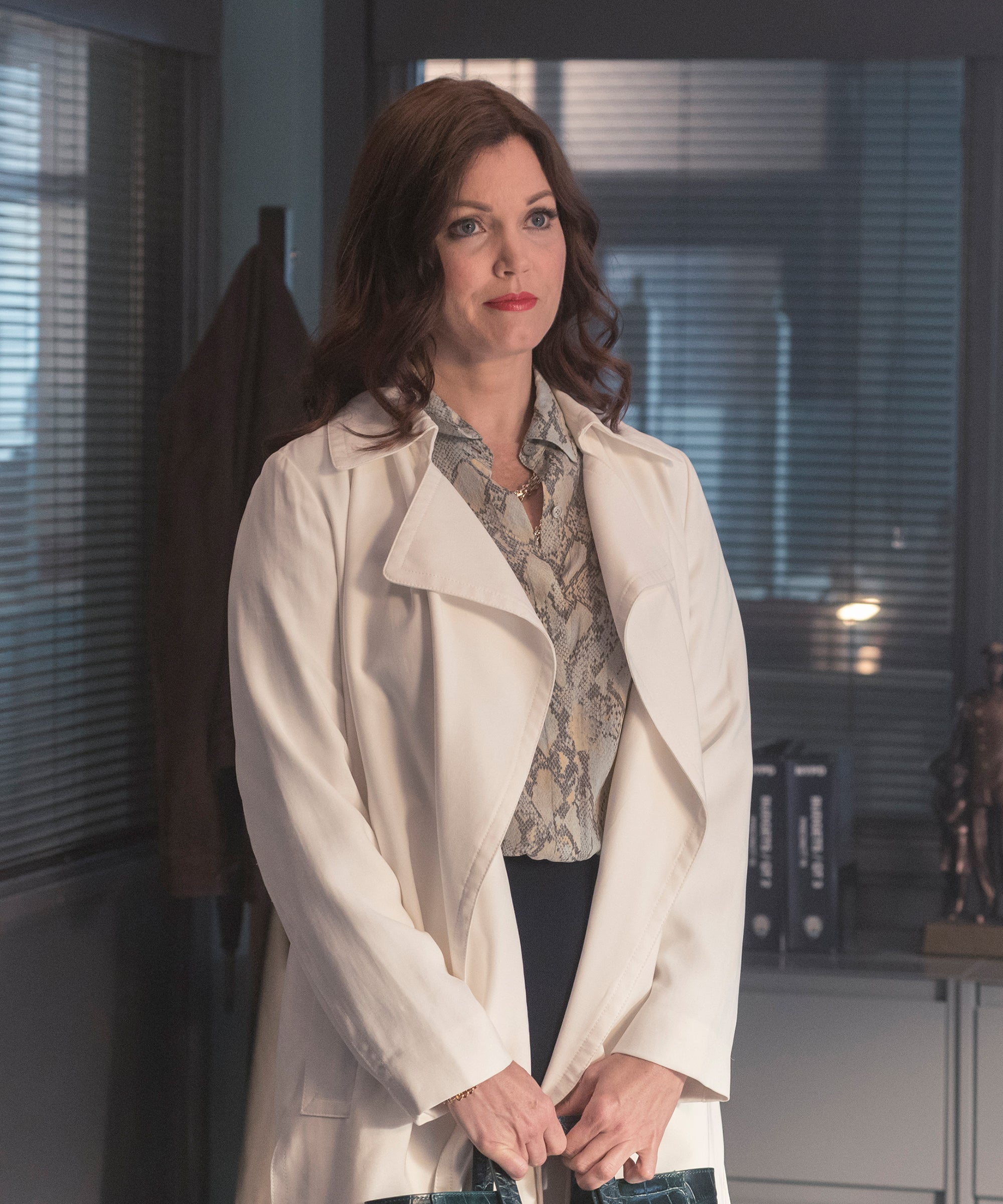 Bellamy Young On Fox Prodigal Son Girl In Box Mystery