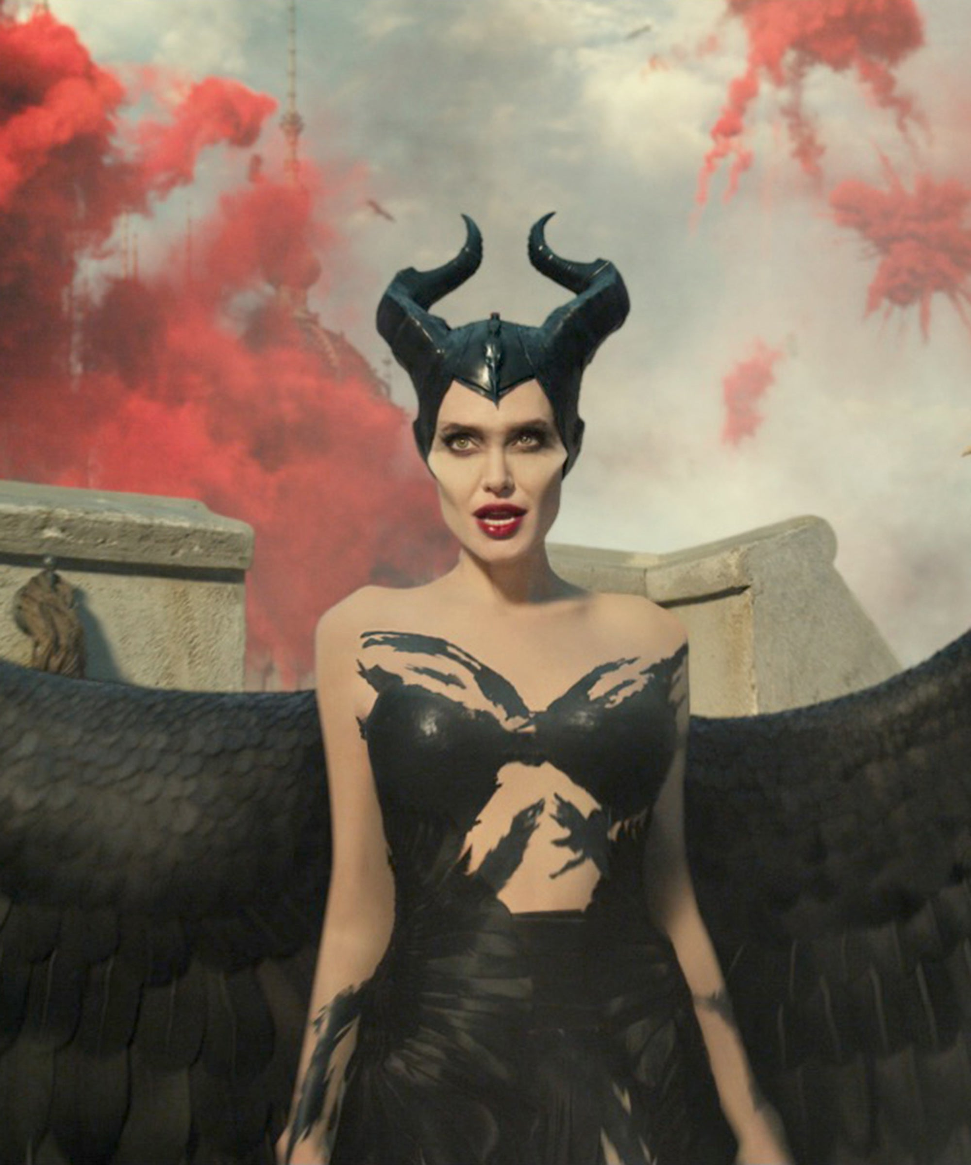 Maleficent Mistress Of Evil Movie Review Queen Power