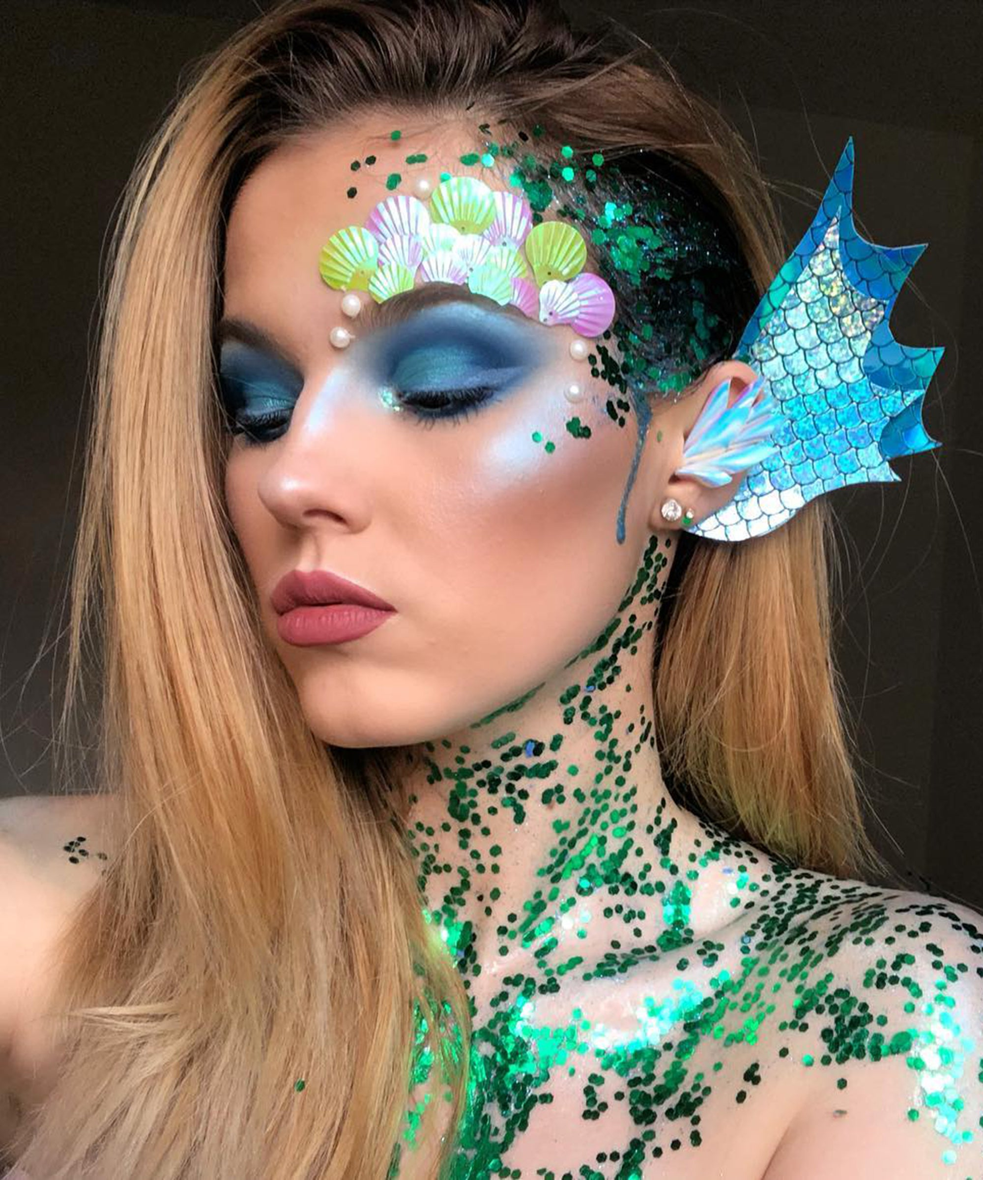 9 Mermaid Makeup Ideas For Halloween That Are Far From Basic