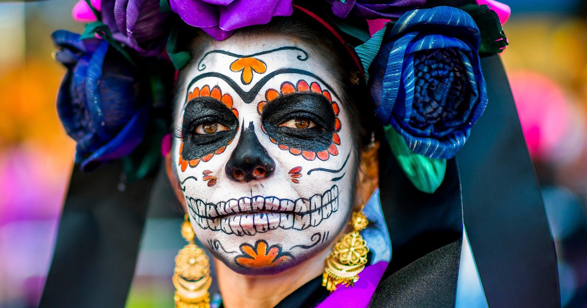 Halloween : lisez ceci avant de vous maquiller en tête de mort mexicaine