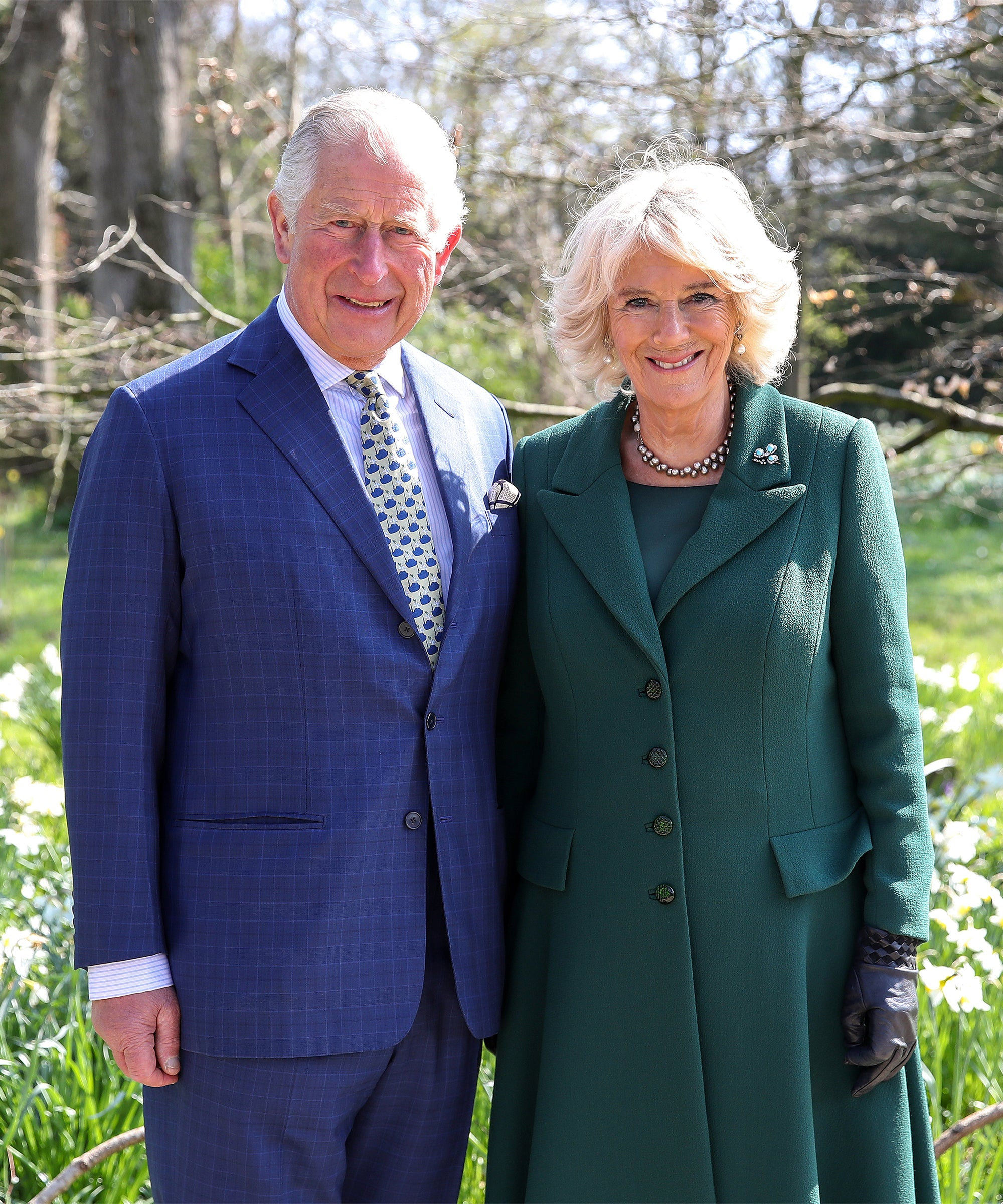 how the real charles and camilla met the crown s3 how the real charles and camilla met