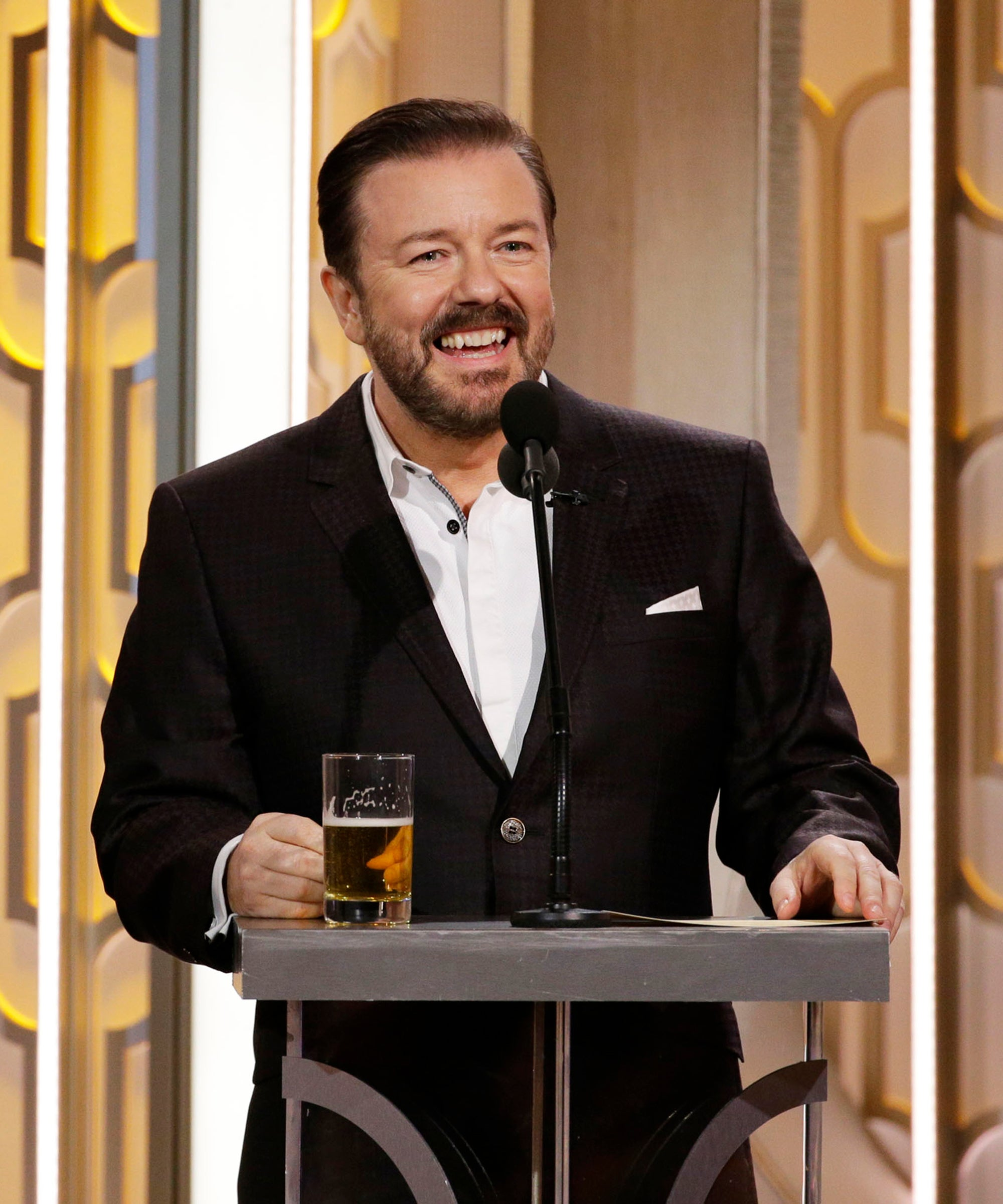 Yes, The Golden Globes Will Have A Host This Year. Yes, It's A Boring One.