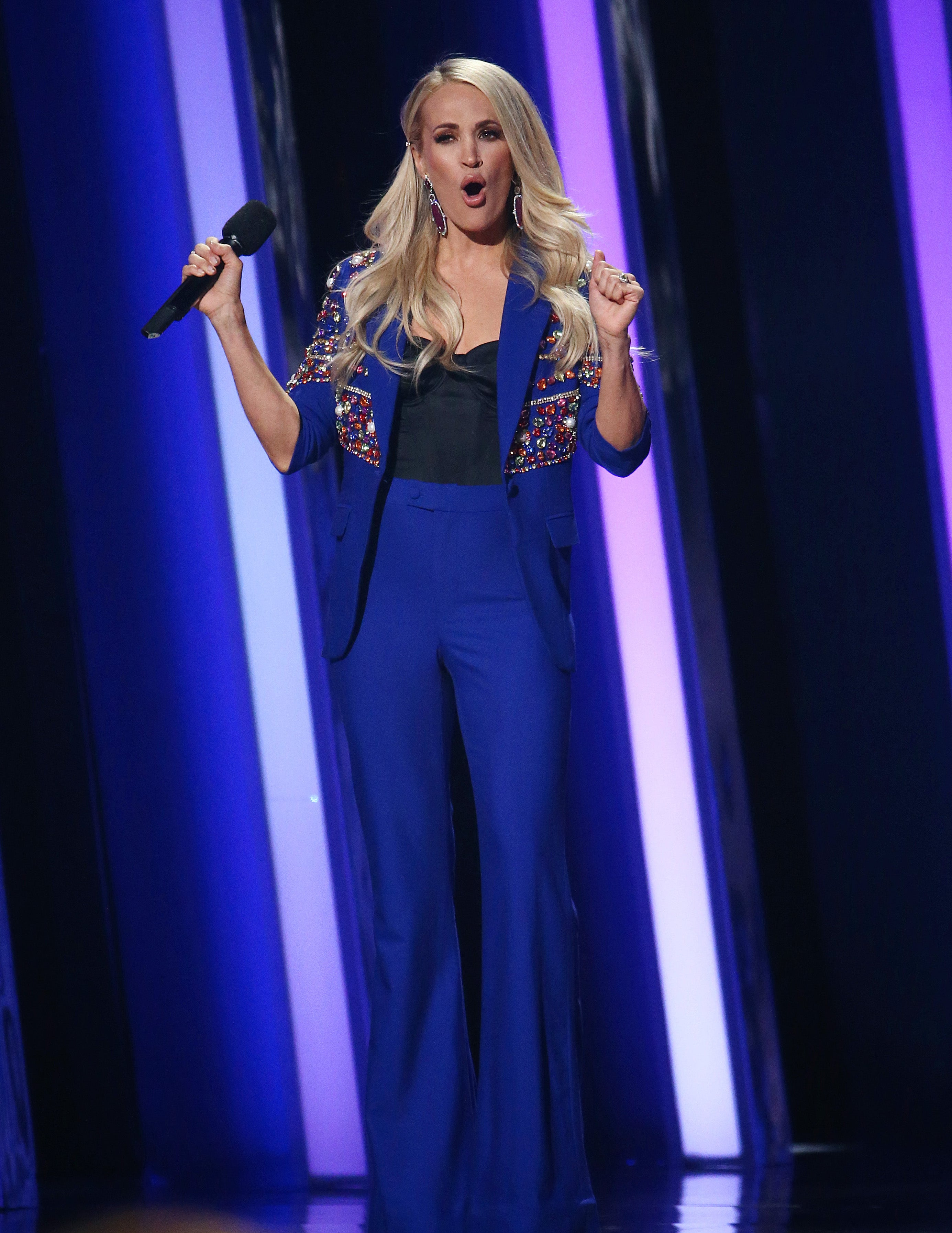 The Country Music Association Awards Just Did Carrie Underwood Dirty