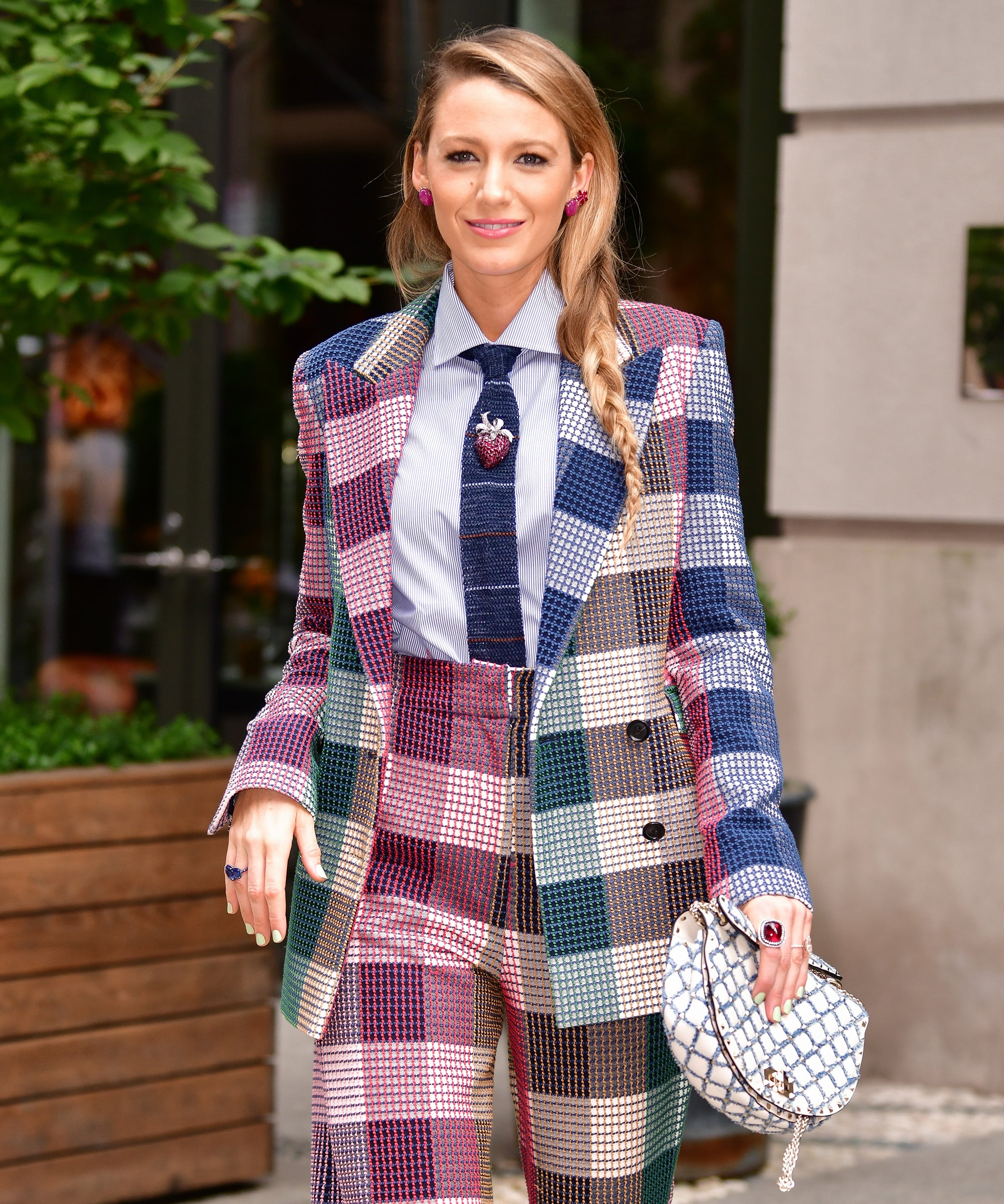Blake Lively Removed All Her Insta Posts Except One & It Means Exactly One Thing