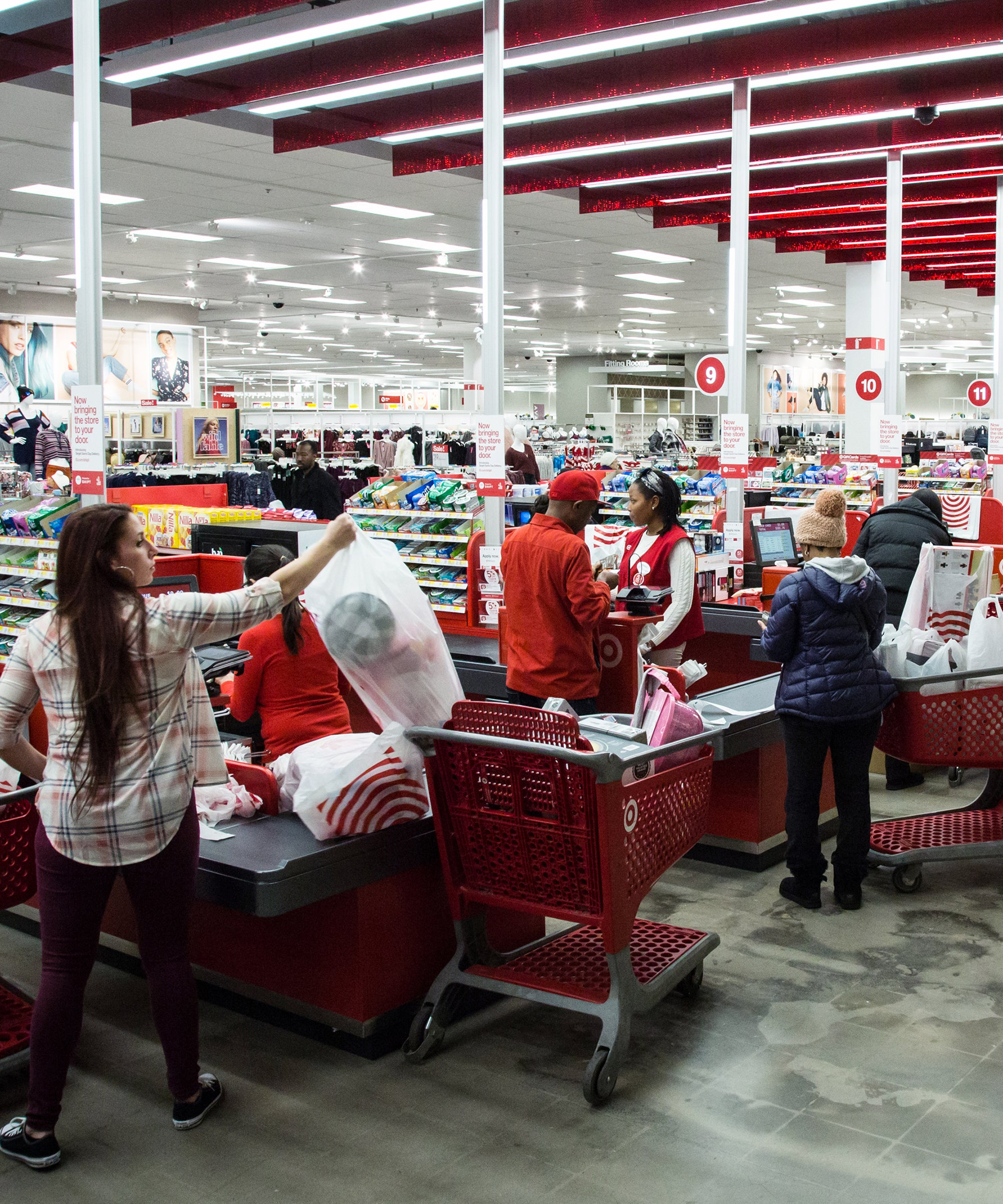 What It S Like To Work Black Friday Employees Tell All