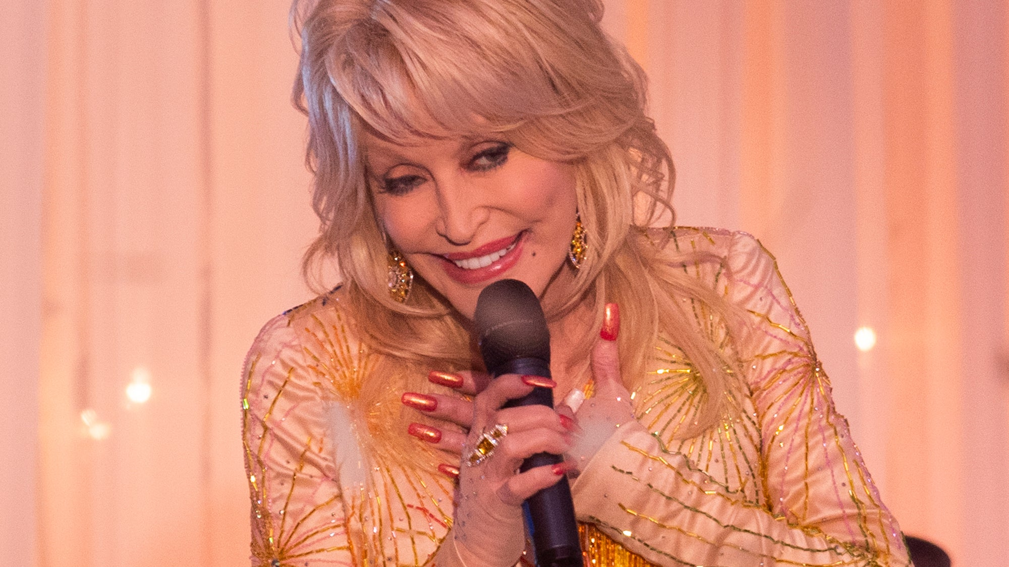 The True Stories Behind Every Song In Dolly Parton S Heartstrings Will Only Make You Love Her More