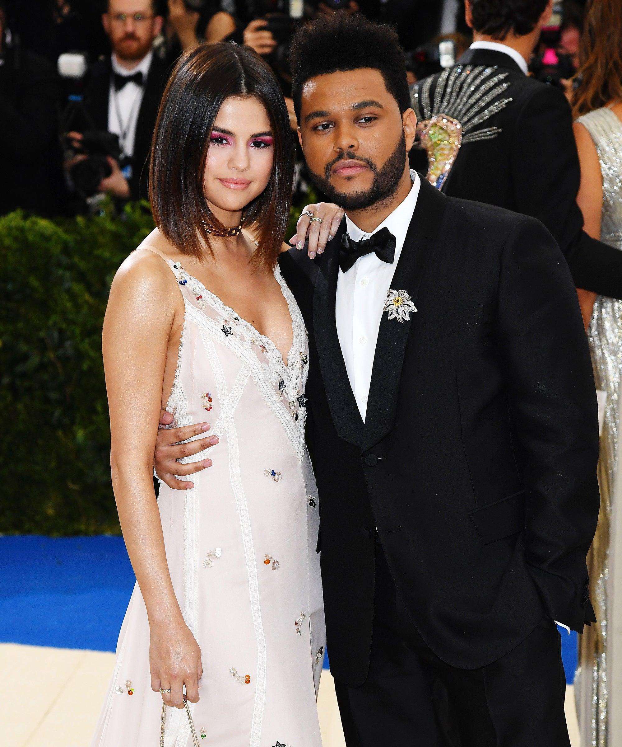 Selena Gomez dating Justin Bieber spelletjeschristelijke meningen op daterende leeftijd