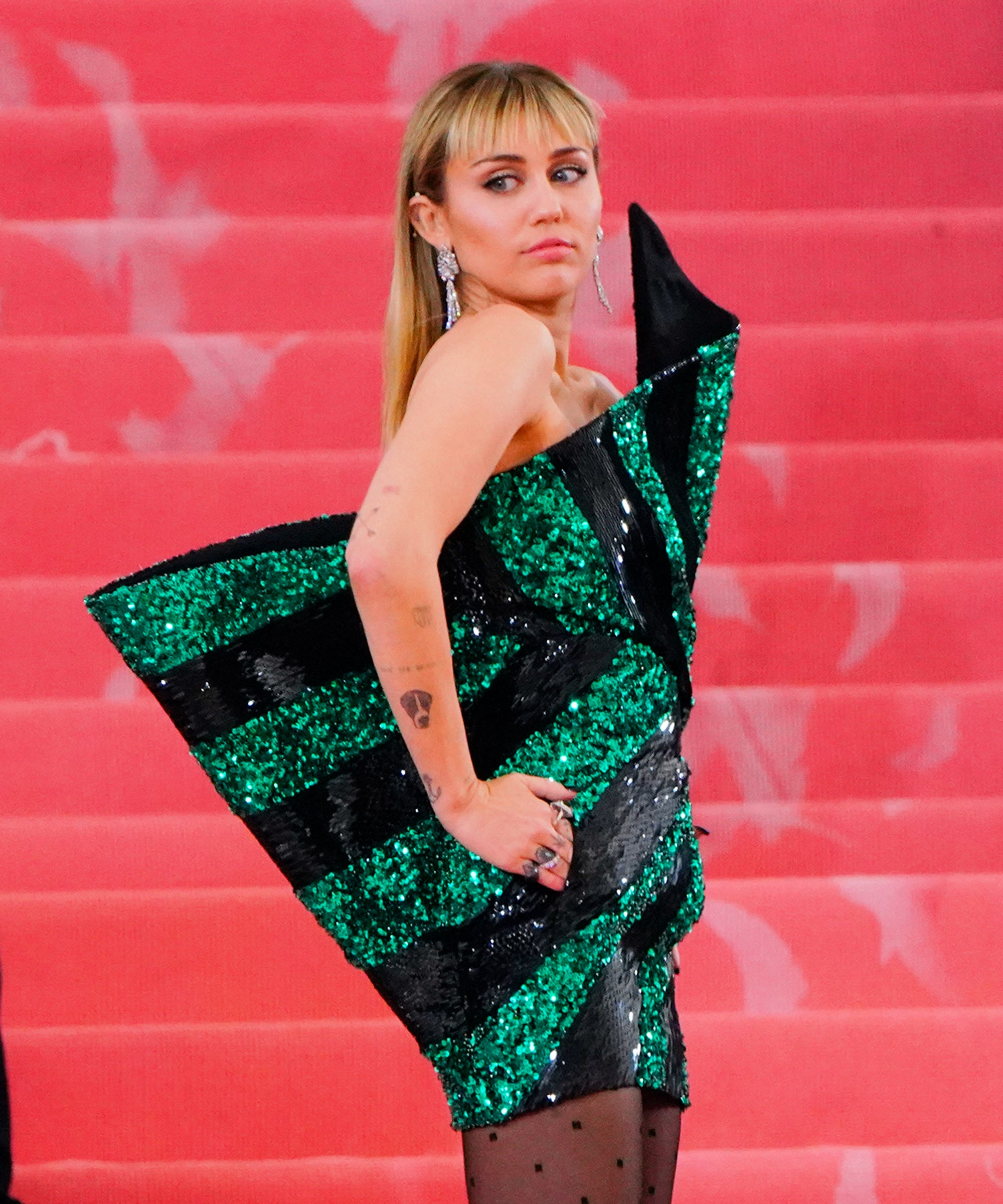 Miley Cyrus Hairstylist Defends New Mullet Haircut