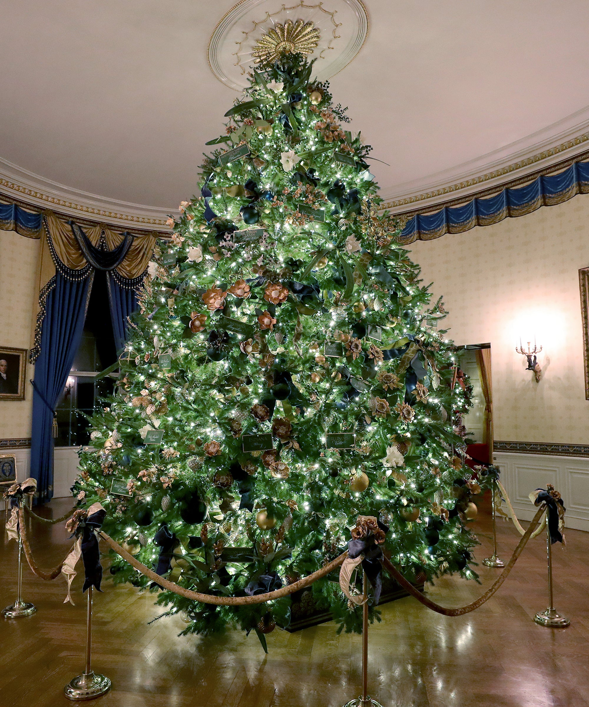 Melania, We're Disappointed With Your New Christmas Decorations. Hear Us Out.