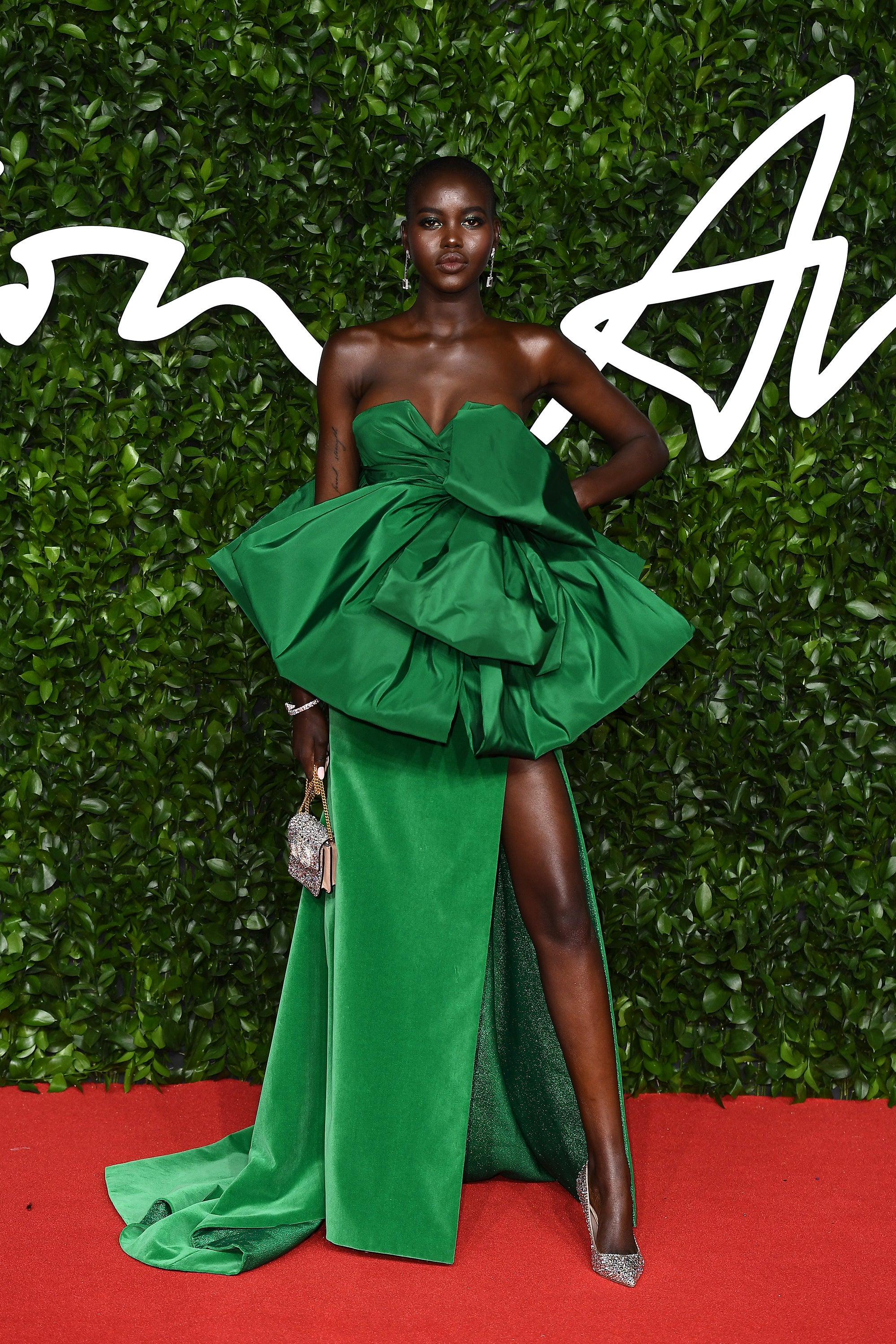 The Best Red Carpet Looks At The Fashion Awards 2019