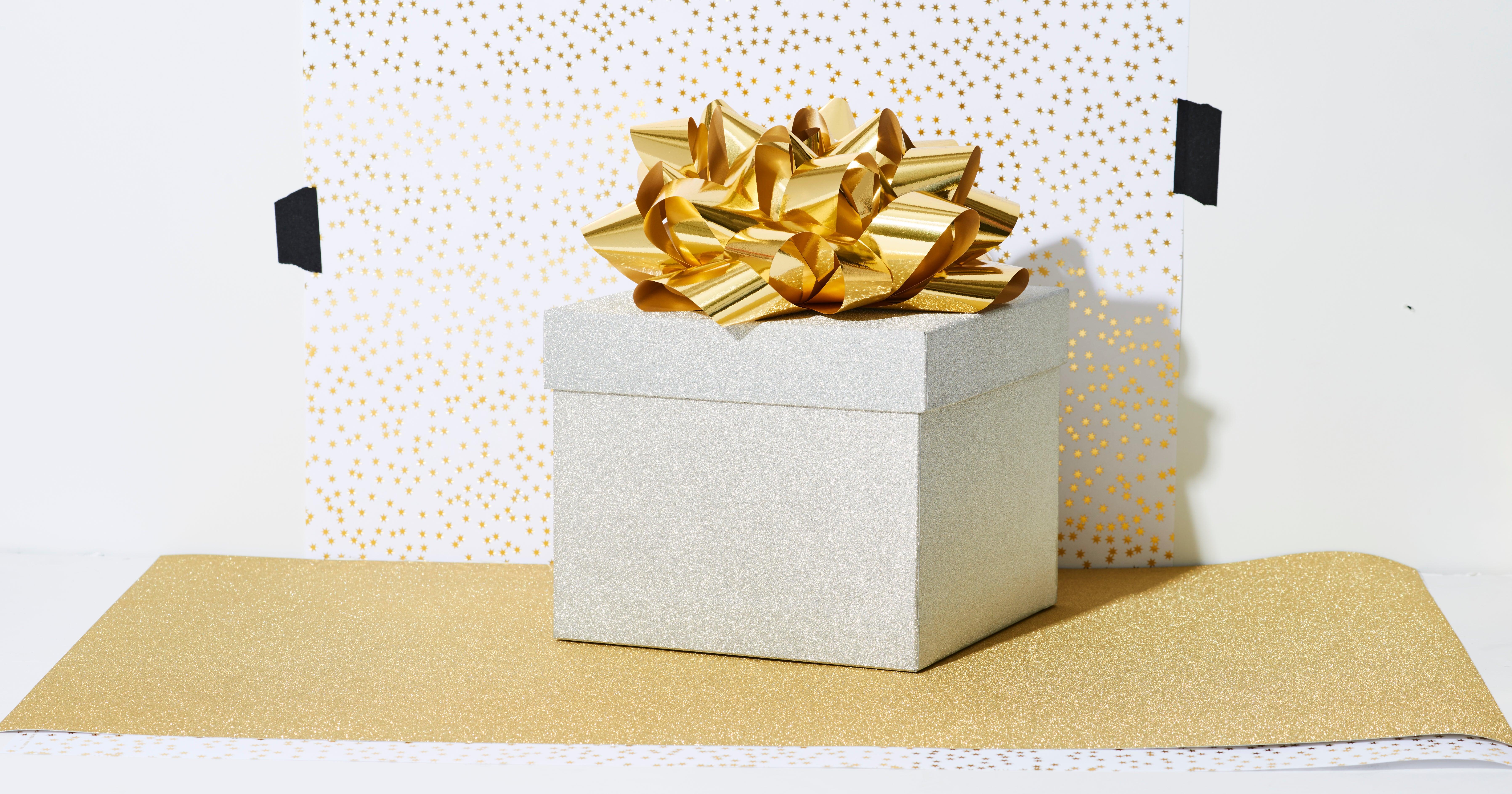 Fernbeziehung: 11 süße Weihnachtsgeschenke für dein*e Partner*in