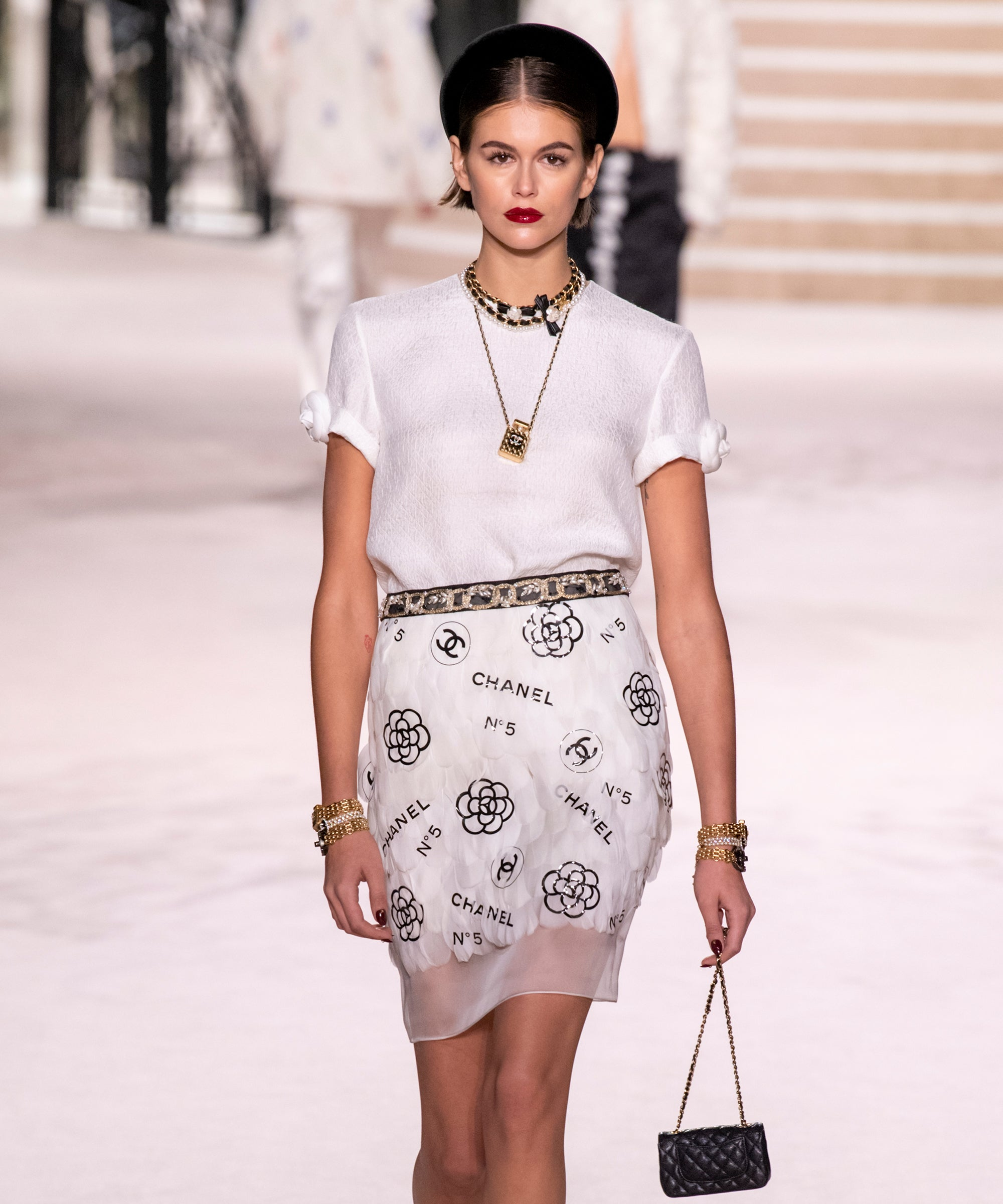 Chanel's Latest Collection Is Millennial-Friendly & Very '90s