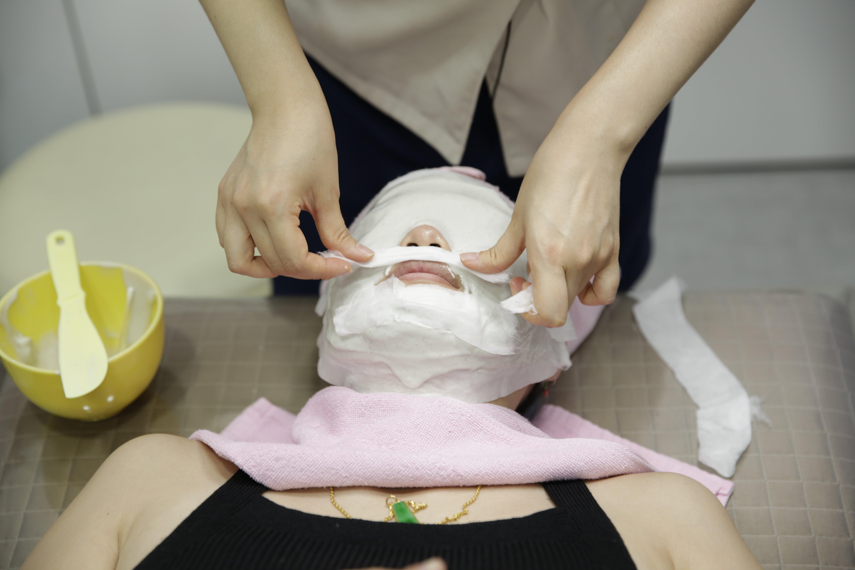 Glass-Skin-Facial: Ich habe Südkoreas beliebtesten Beauty-Trend ausprobiert