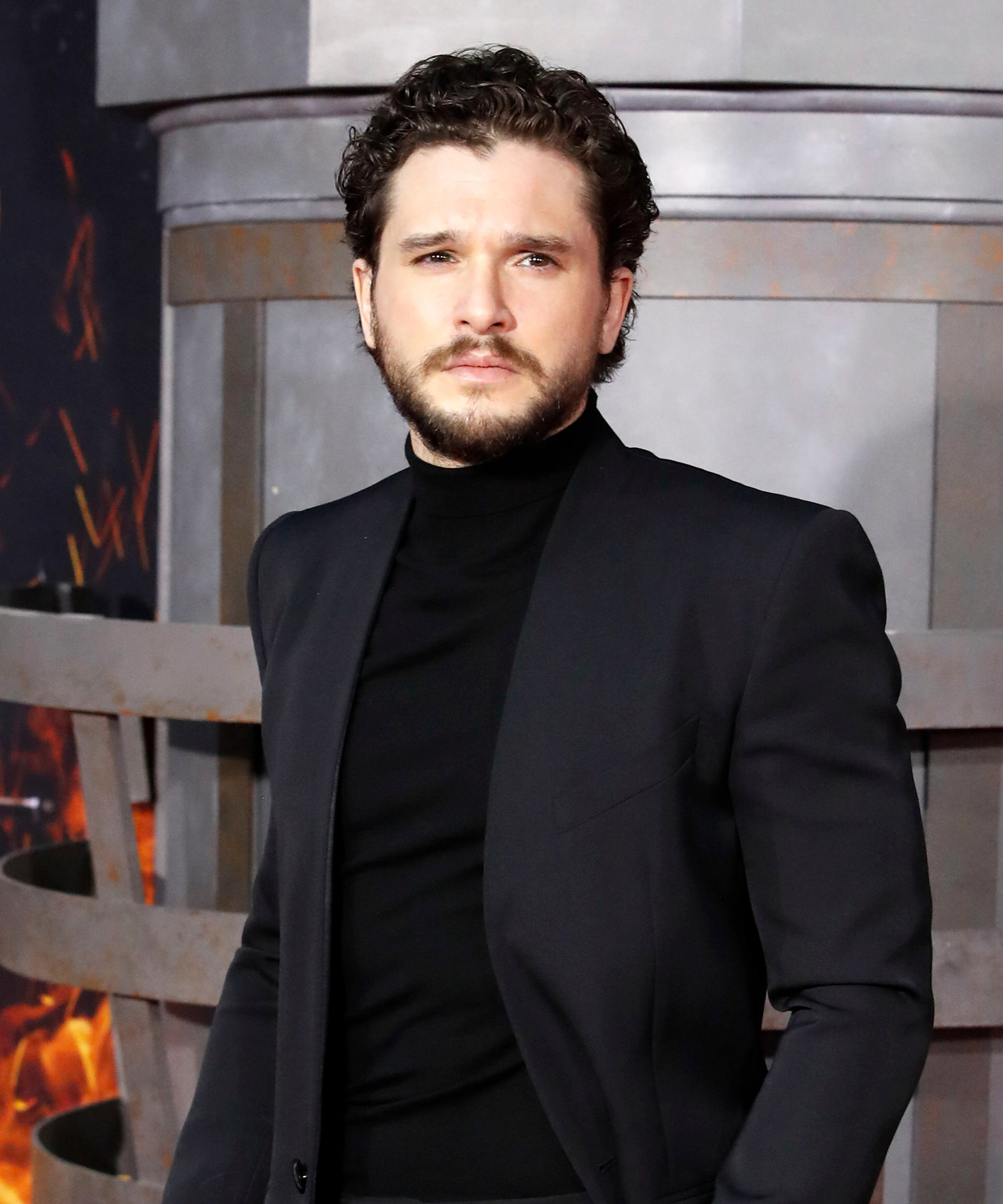 """Kit Harington Calls Himself A """"Loner Throner"""" After Game Of Thrones Snubs"""