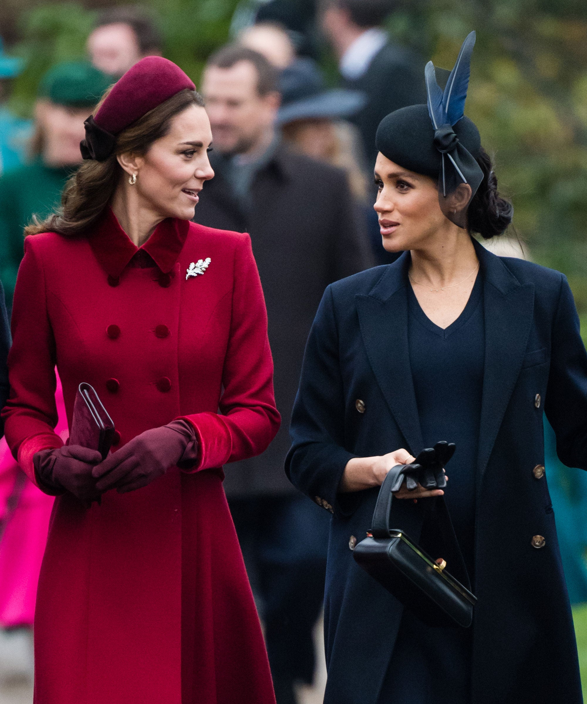 Turns Out The Royal Family Does Christmas Dinner Just Like Common People