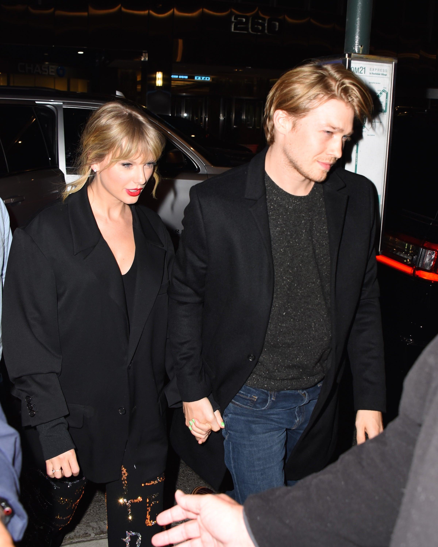 Joe Alwyn Reacts To Taylor Swift Album Lover Songs