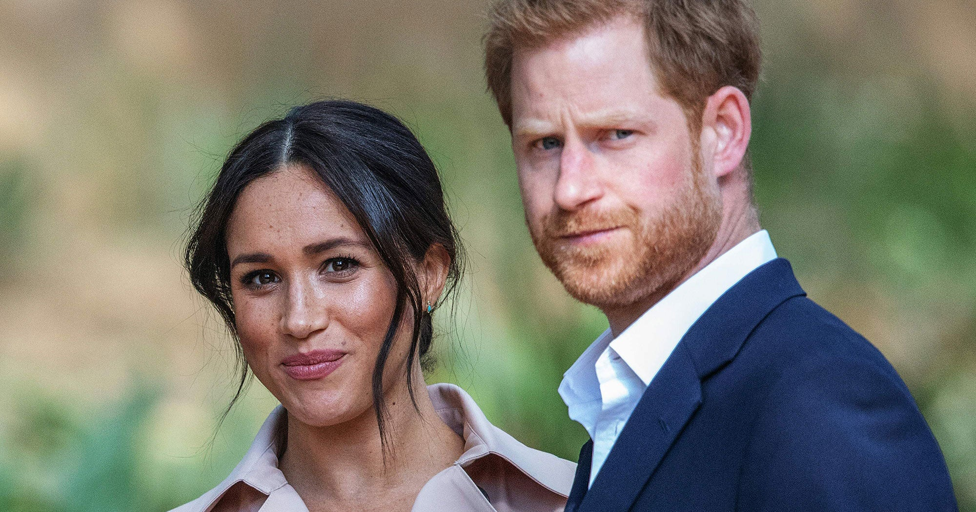 The Rumors That Meghan Markle & Prince Harry's Christmas Card Was Photoshopped Just Got Shut Down