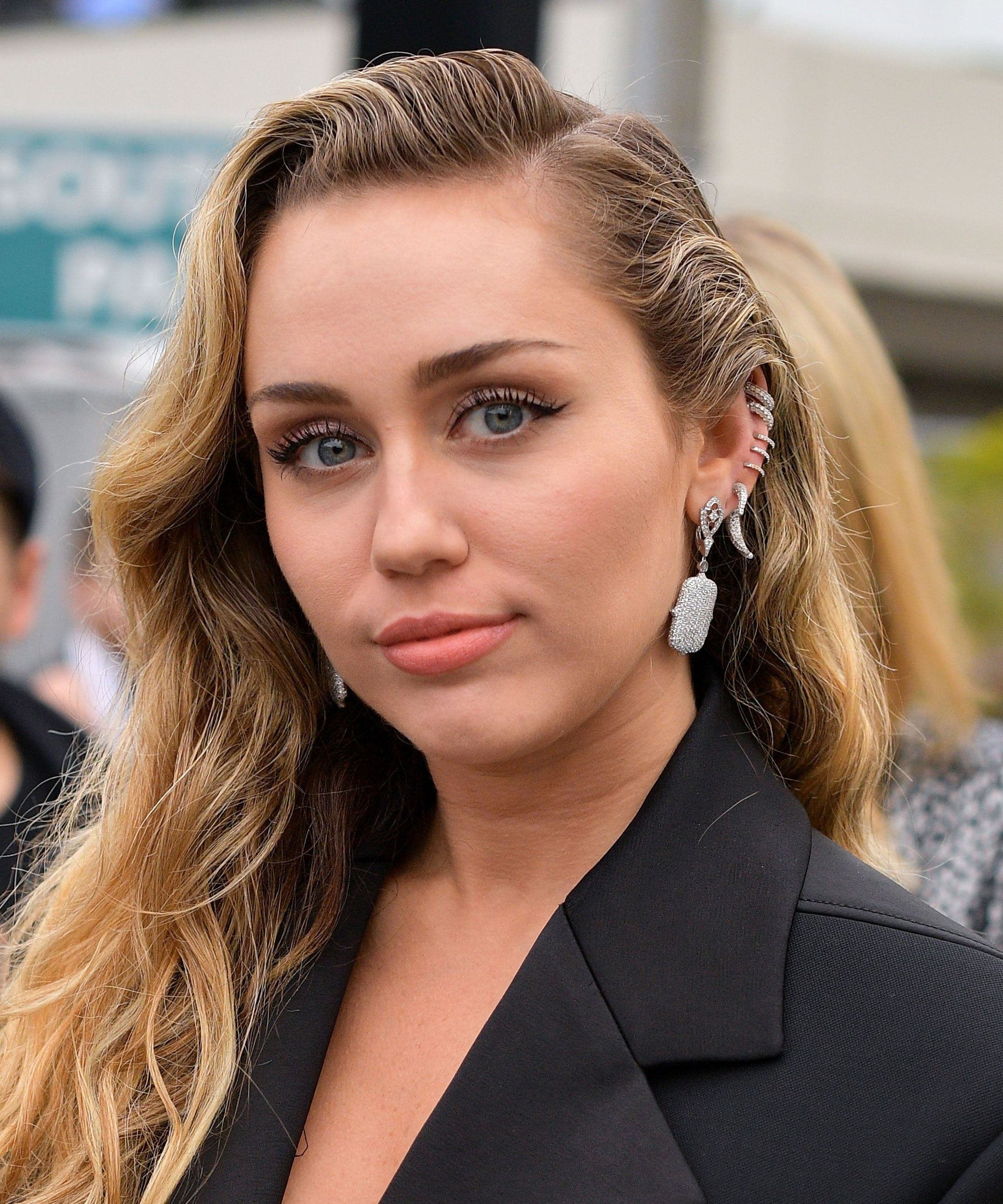 Miley Cyrus Debuts New Mullet Shag Haircut On Instagram