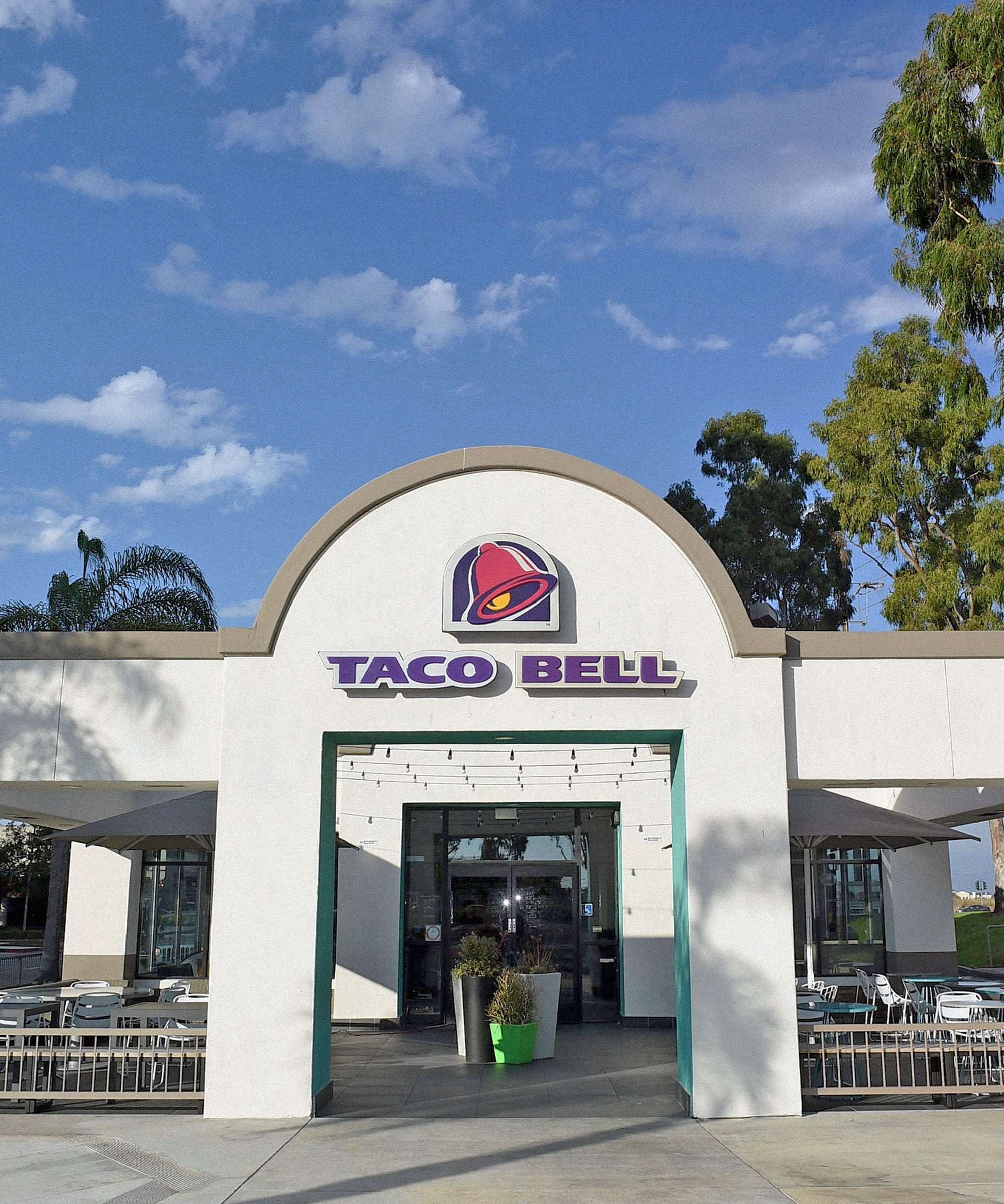 You Can Now Make $100K Working At Taco Bell. This Is Not A Drill.
