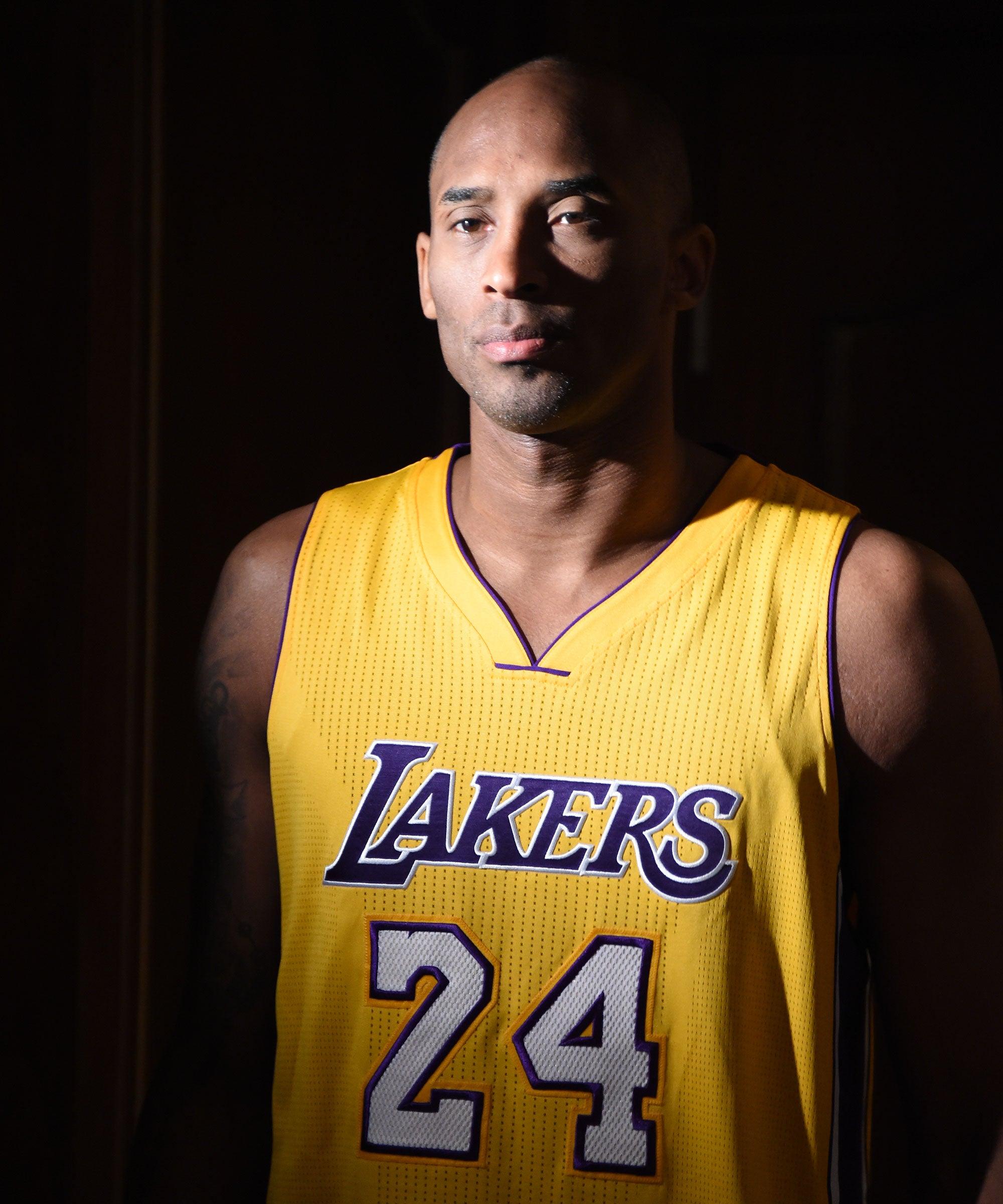 Kobe Bryant, Former NBA Star, & Daughter Killed In Helicopter Crash