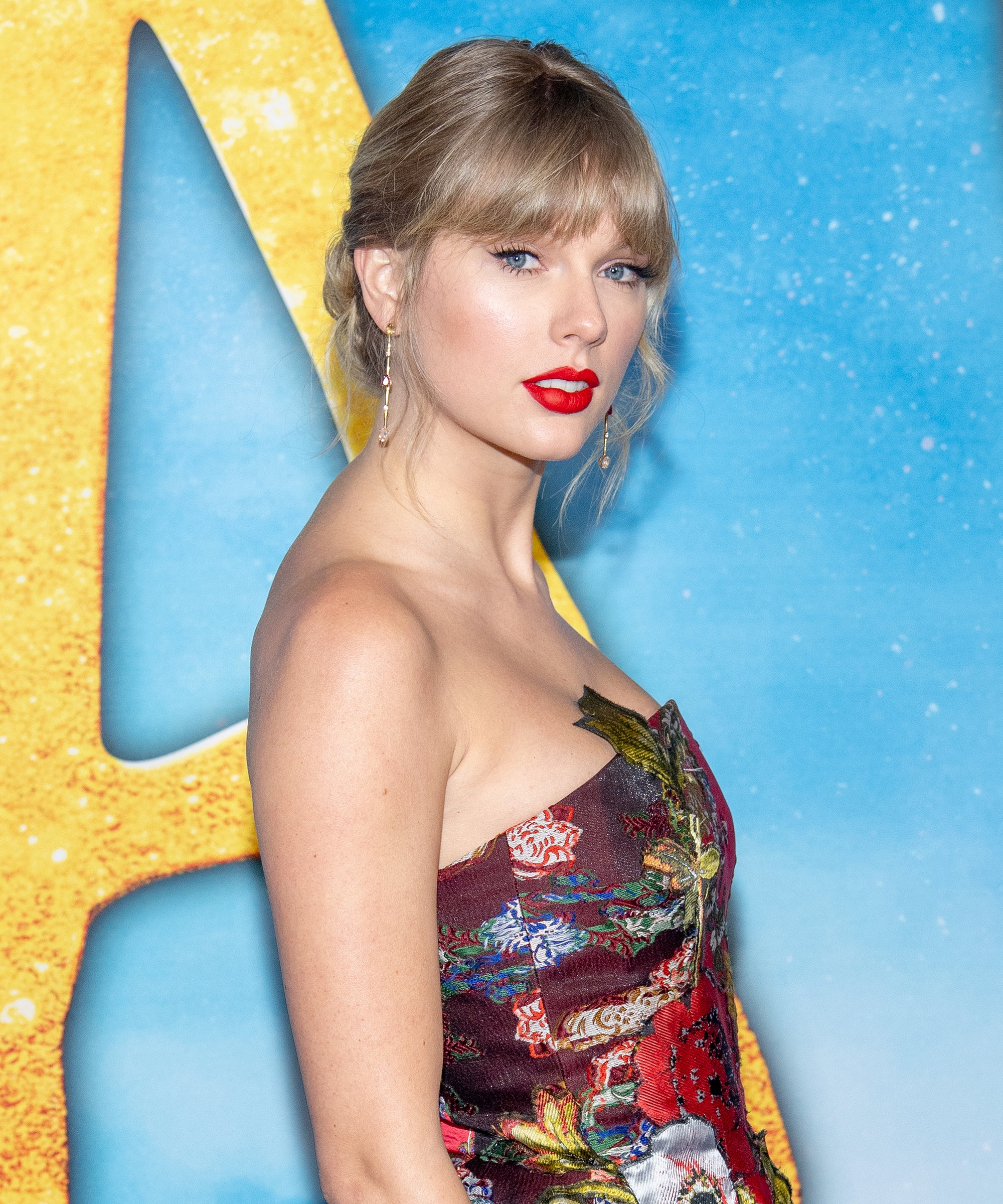 Taylor Swift Brings Back Red Lipstick In Miss Americana