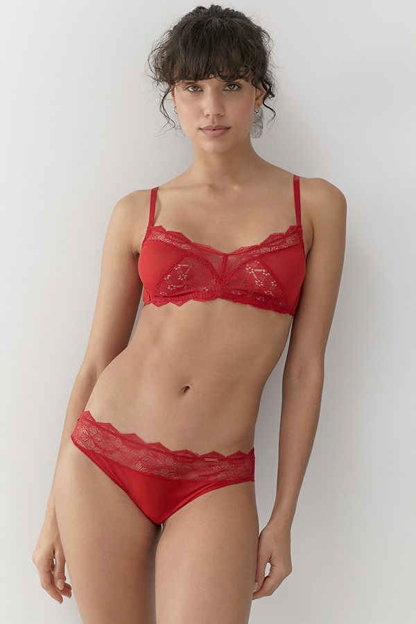Rote Lingerie für den Valentinstag & andere Tage, an denen du dich sexy fühlen willst
