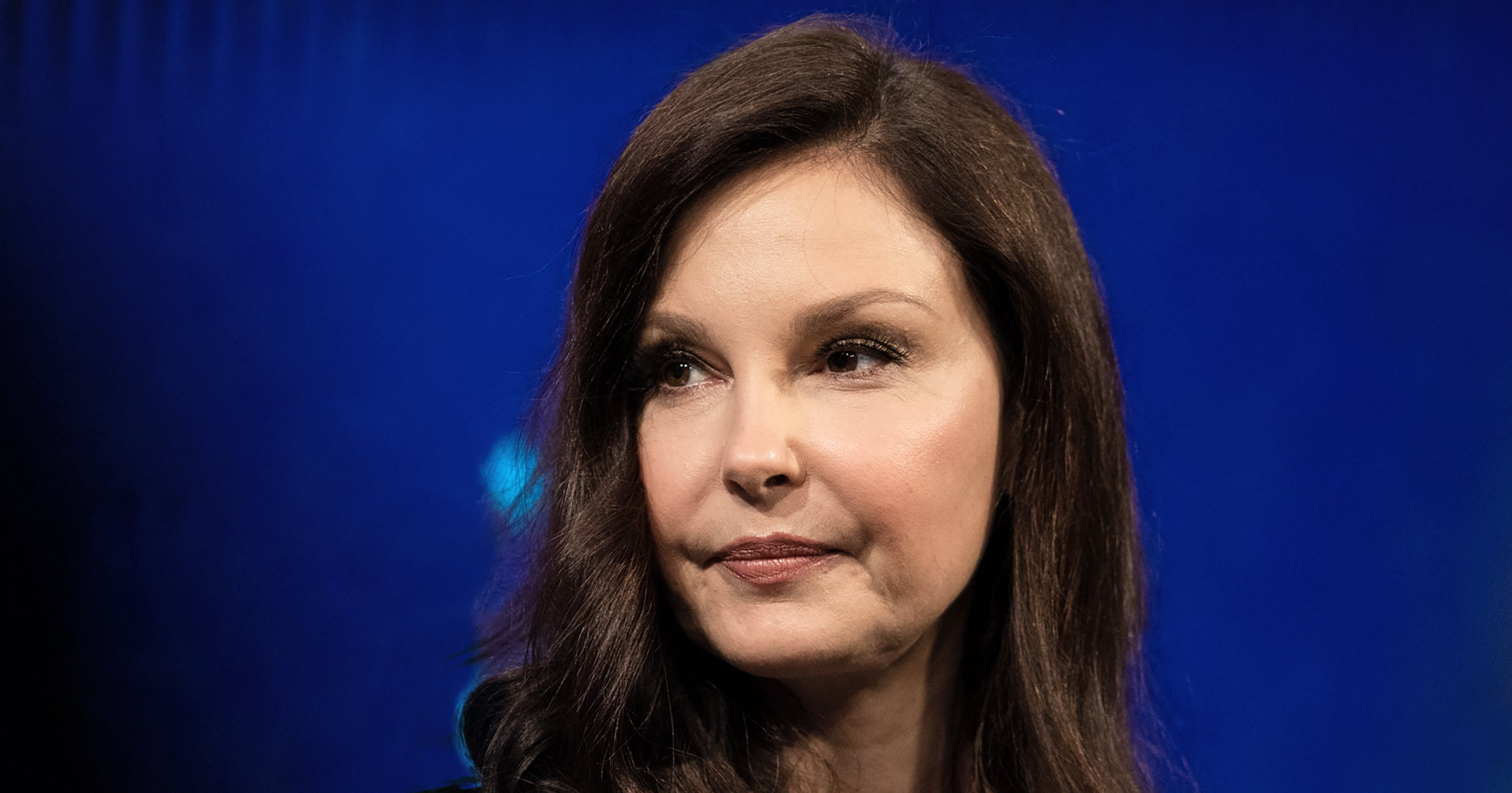 People Are Posting Prednisone Photos After Ashley Judd Was Face Shamed