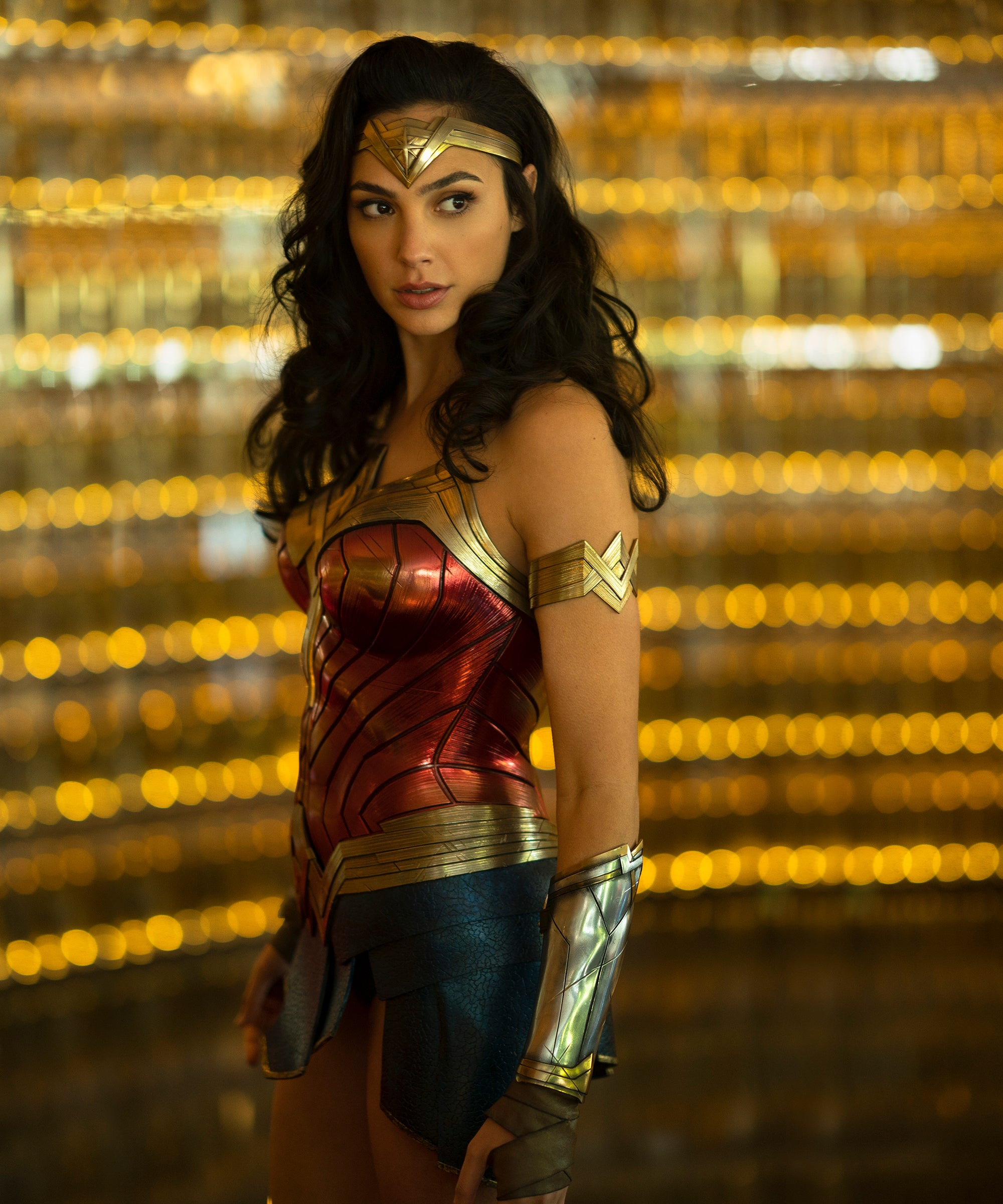 What Is Wonder Woman 1984 About New Trailer Dc Fandome