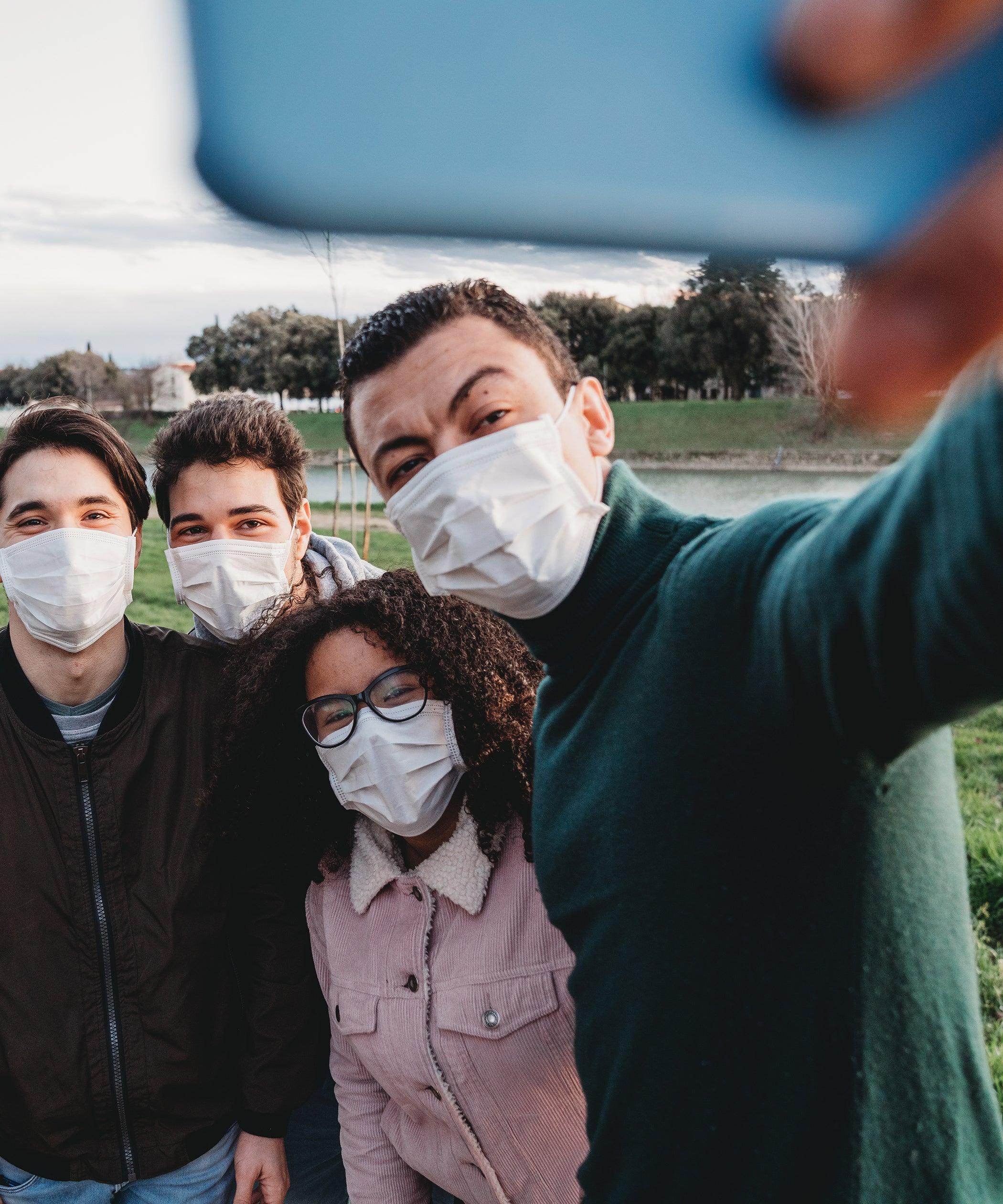 Youtubers Making Quarantine Vlogs During Coronavirus